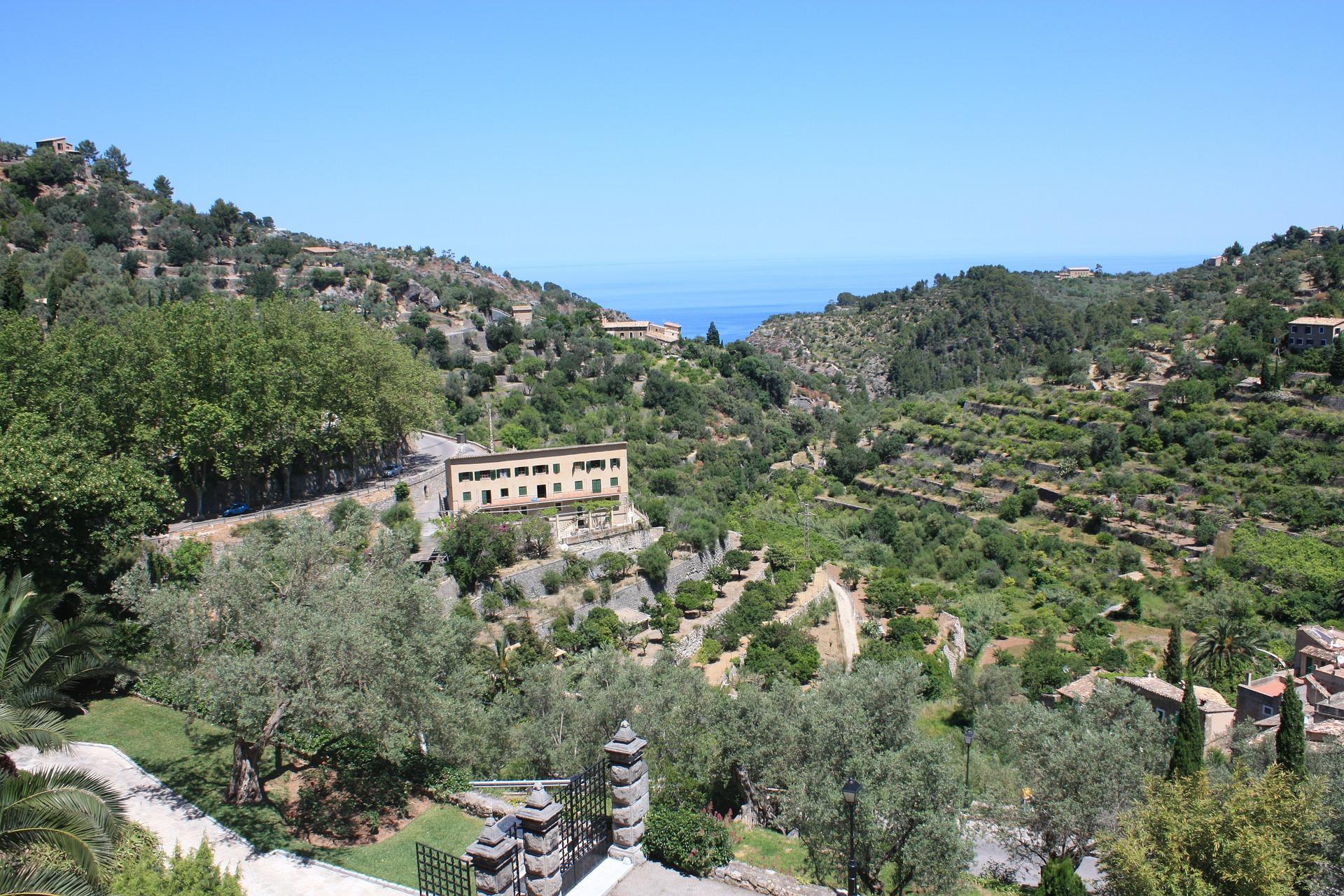 Banyalbufar Village
