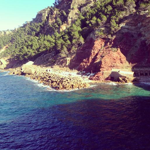 Estellencs' rocky cove