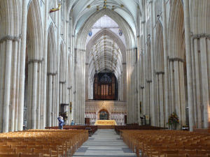 York_York_minster_interior_001-300x225.jpg