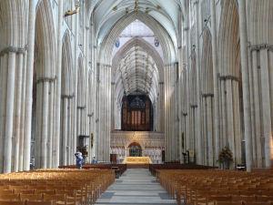 York_York_minster_interior_001-300x225.jpg