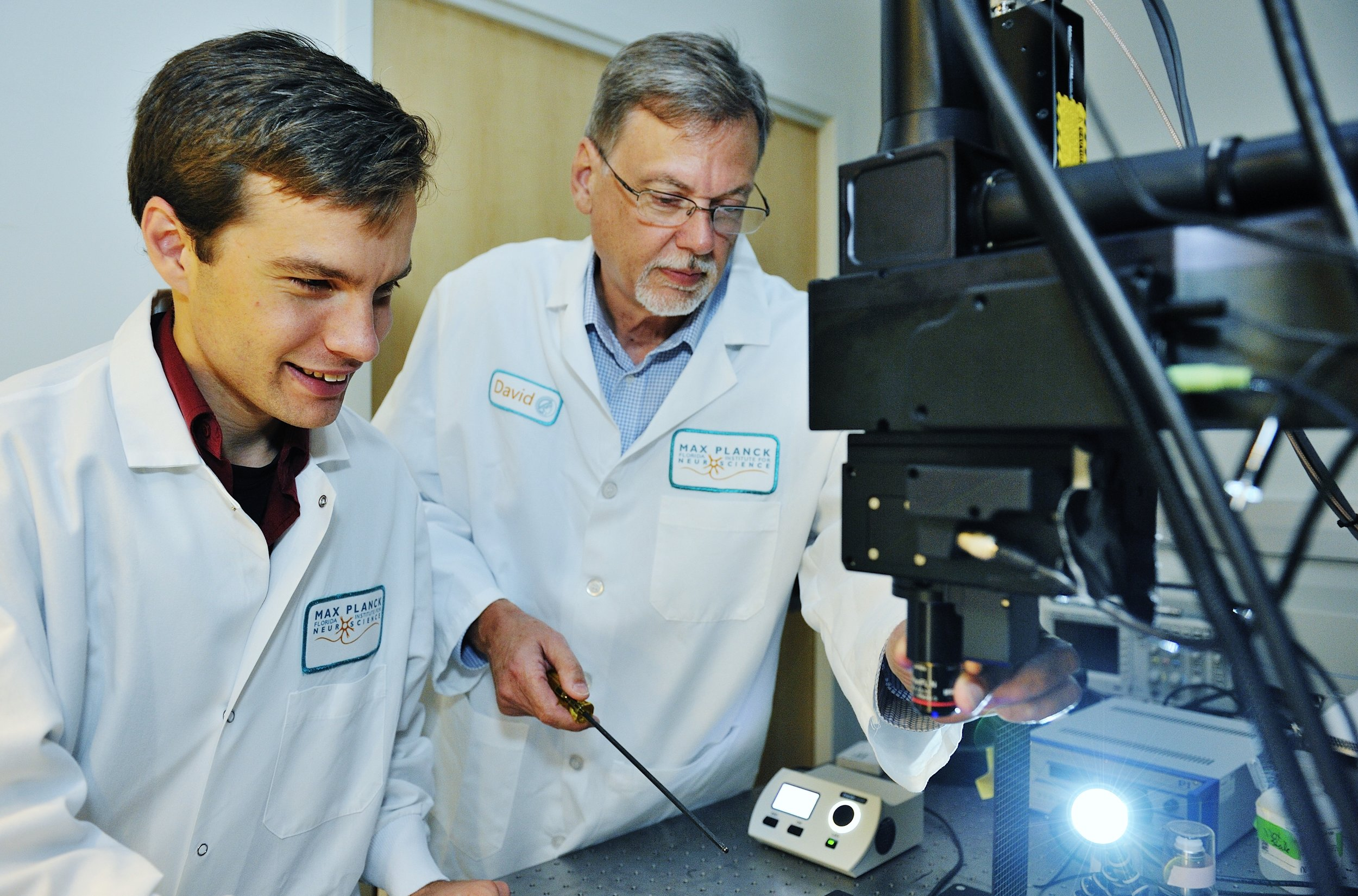 Dave Whitney and David Fitzpatrick adjusting the 2photon microscope.