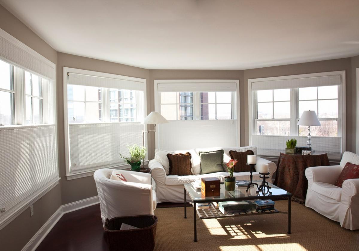 PLEASANT-living-room1.jpg