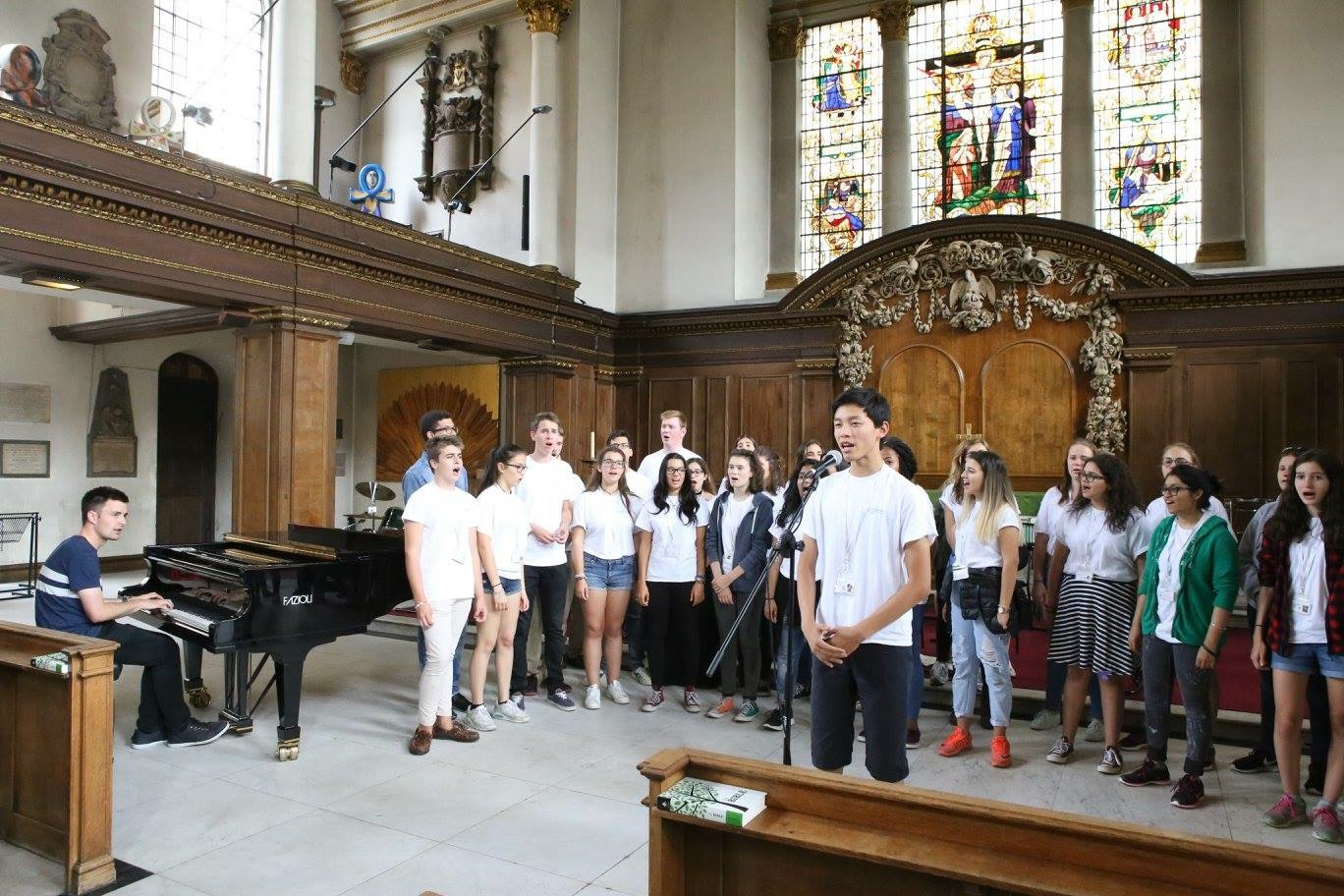 Working with the choir at the Ingenium Academy concert, St James's Church, Picadilly