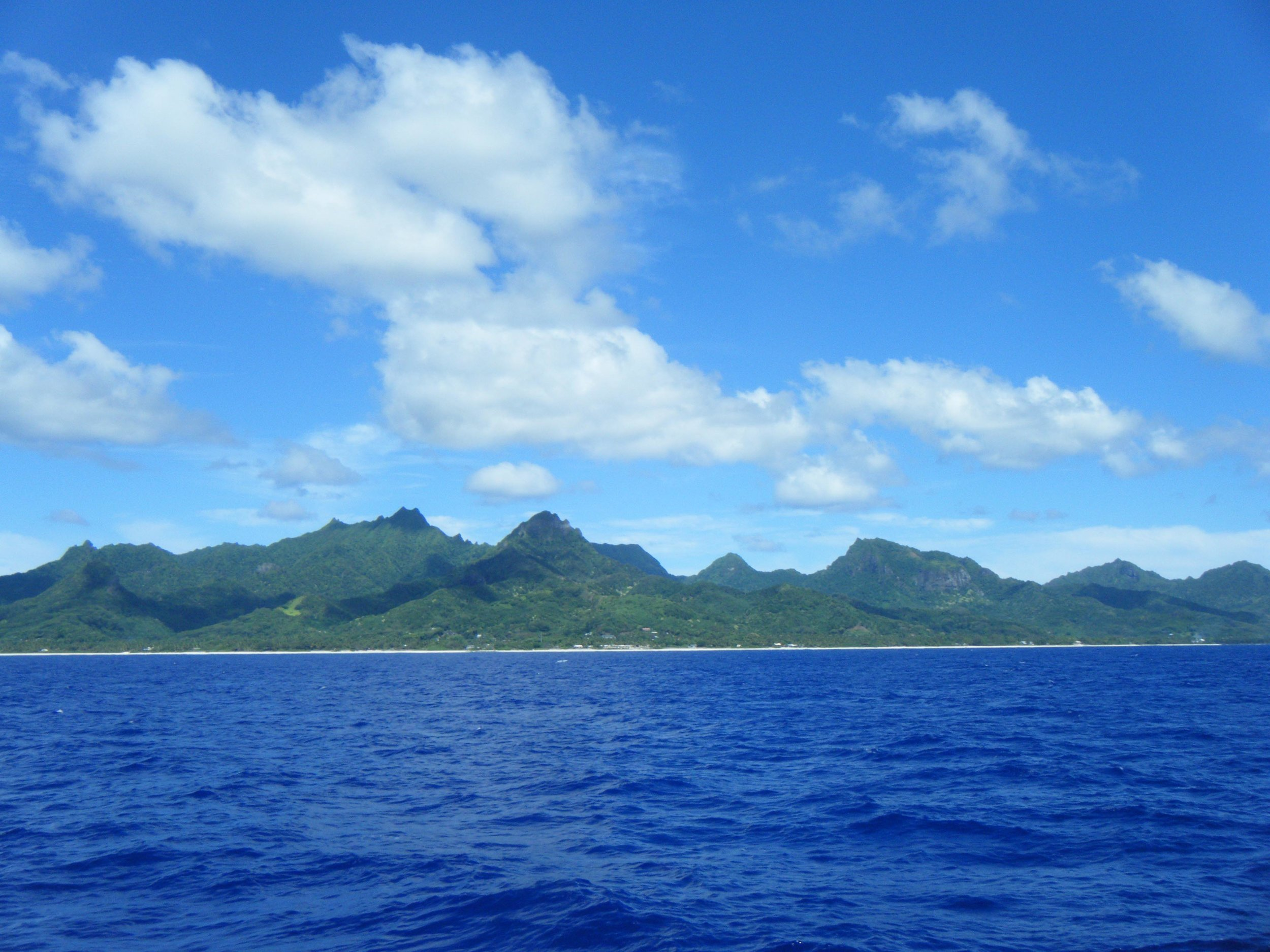Rarotonga from the boat.jpg