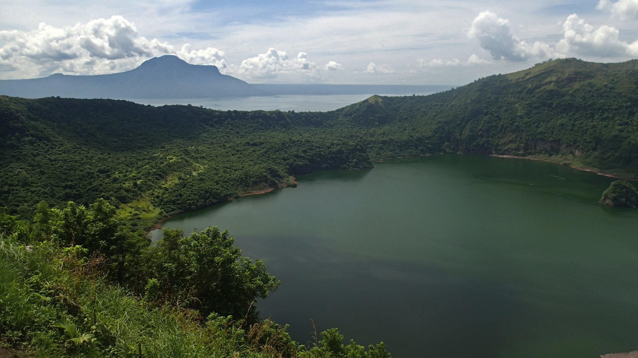 good volcano lake shot.jpg