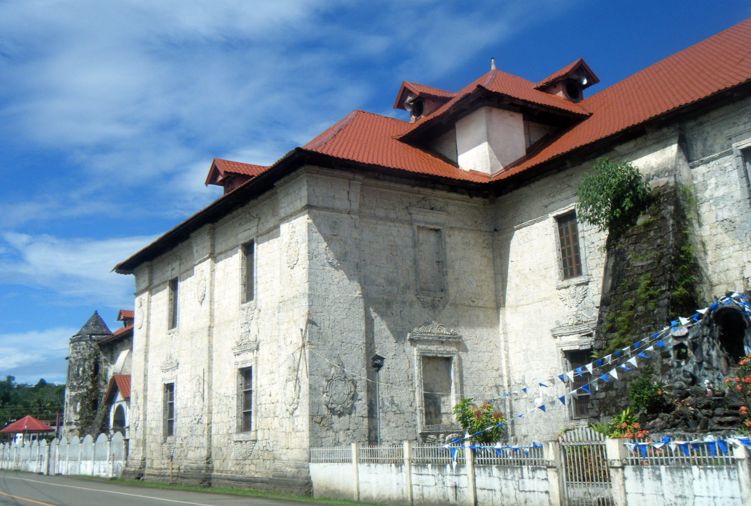 old church in Loboc.jpg