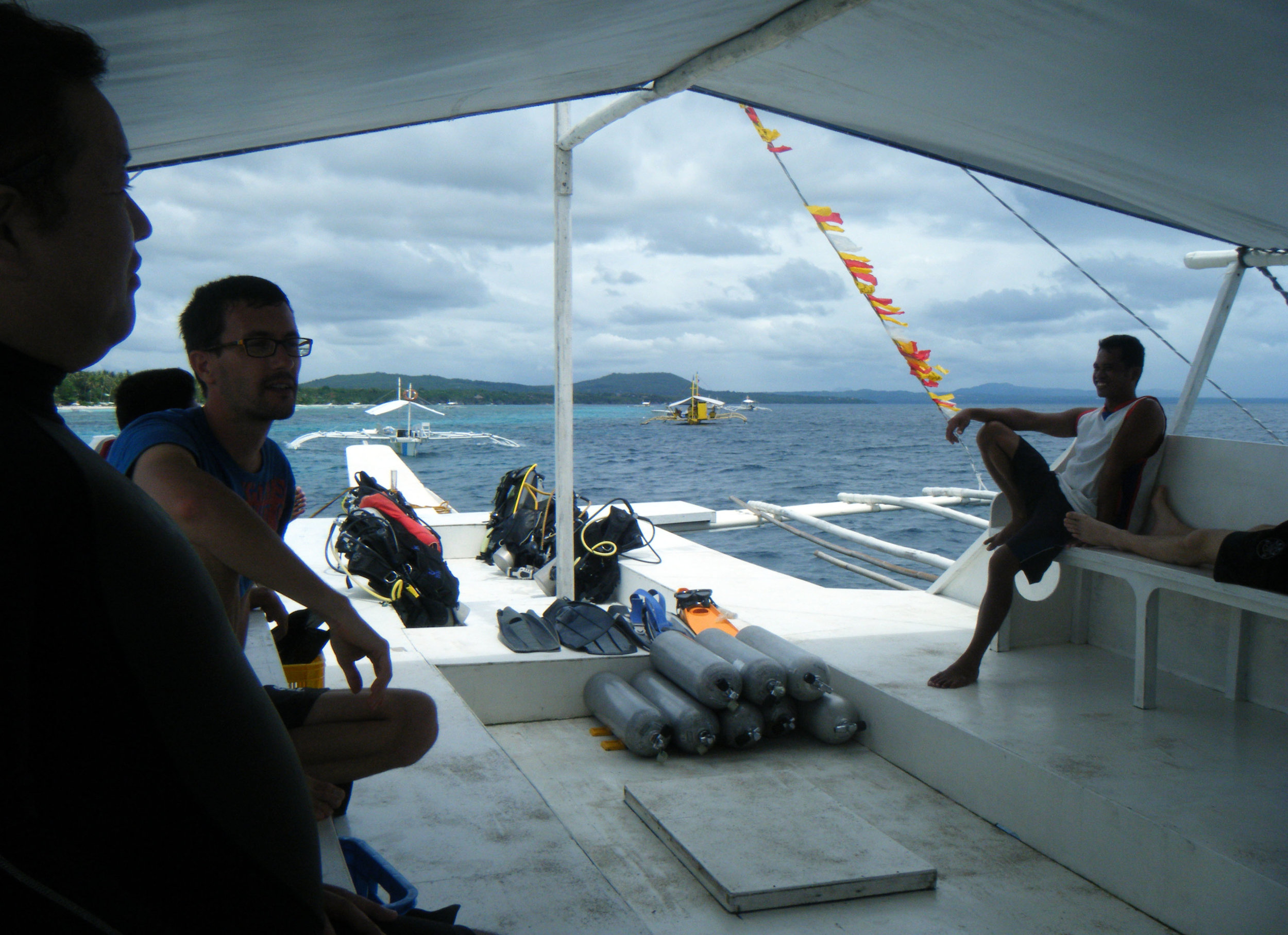 chillin on the dive boat.jpg