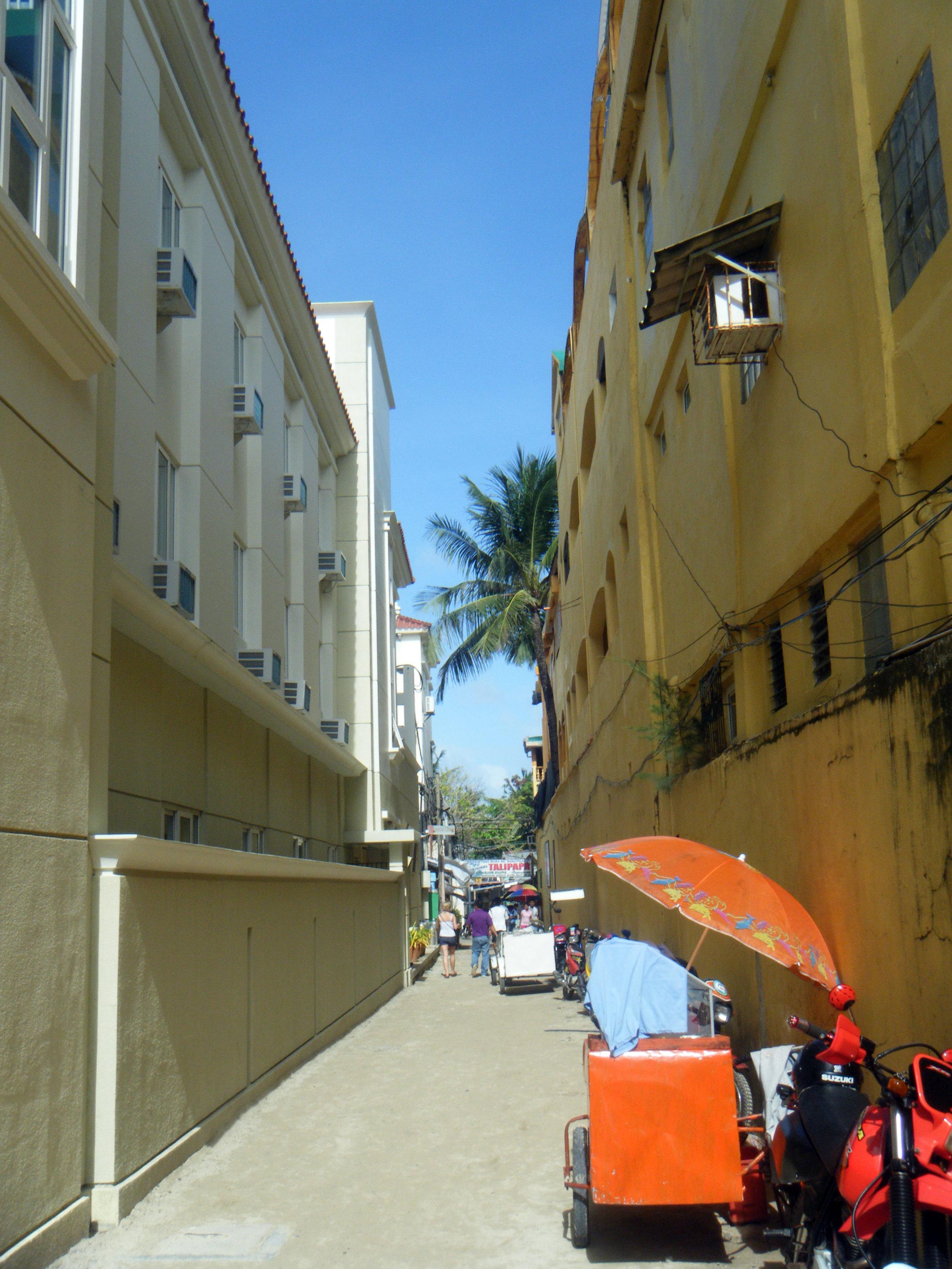 mean streets of Boracay.jpg