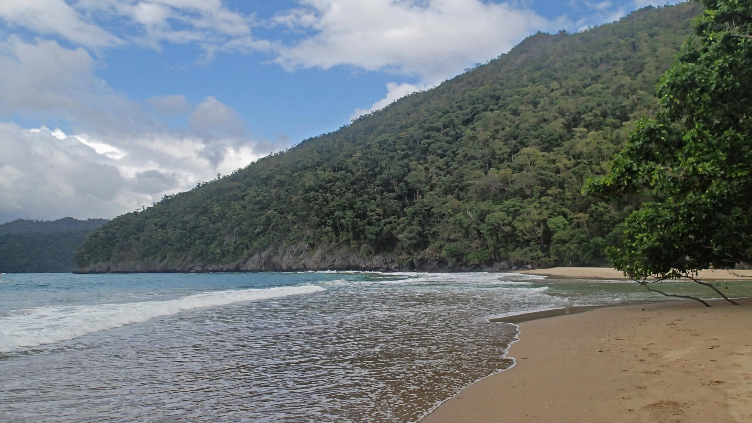 beach near underground river.jpg