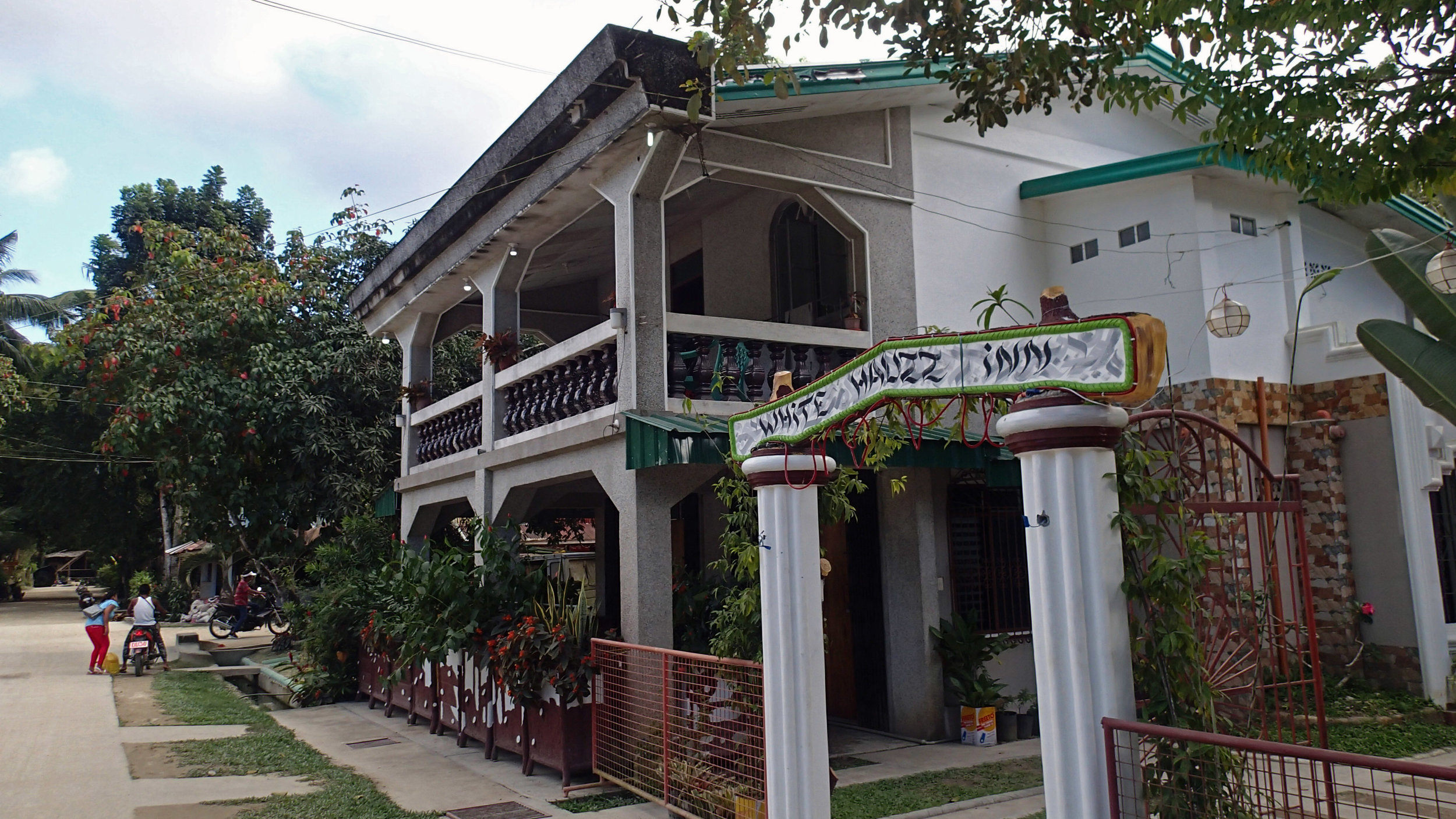 White Hauz Inn.jpg
