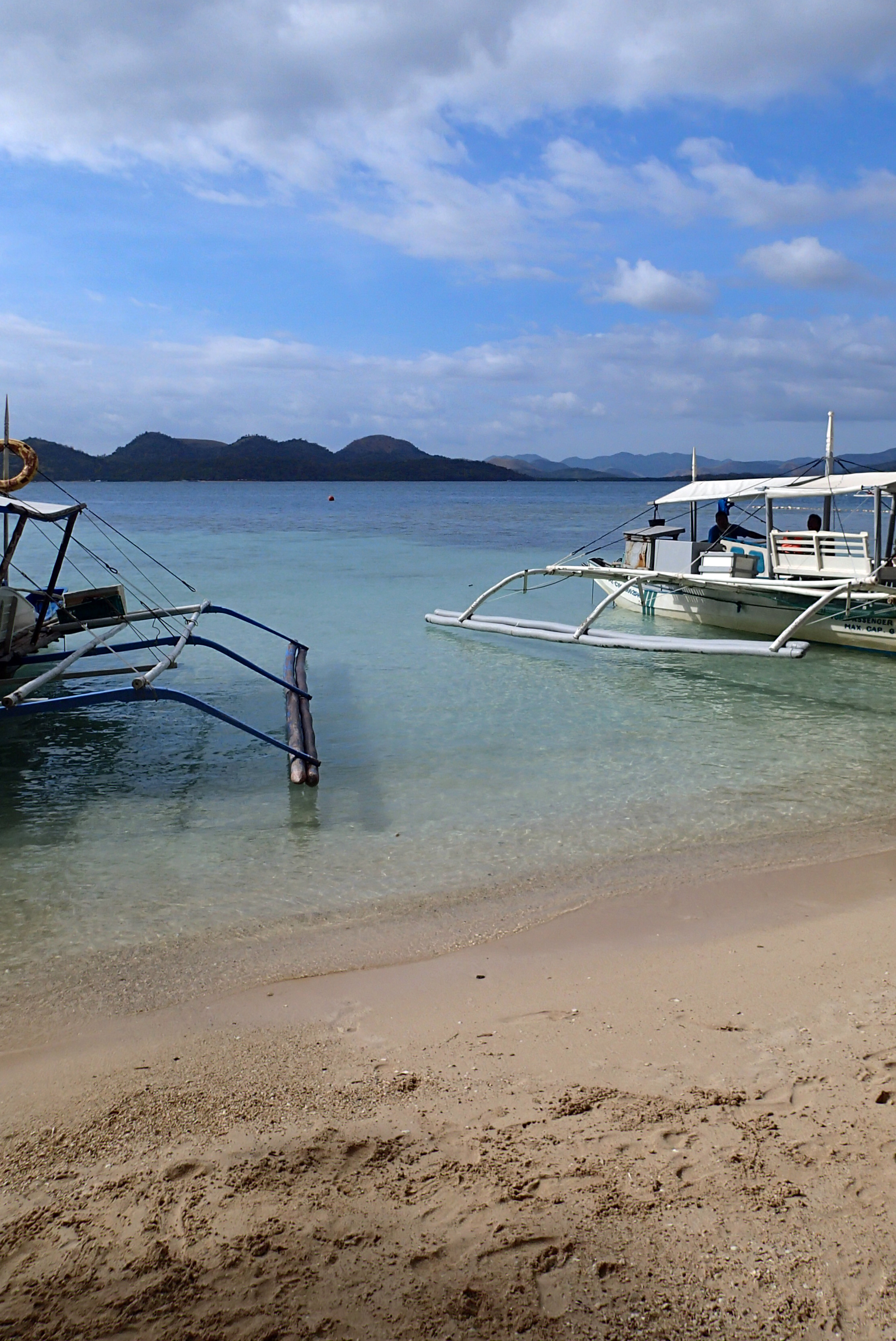 remote Coron beach.jpg