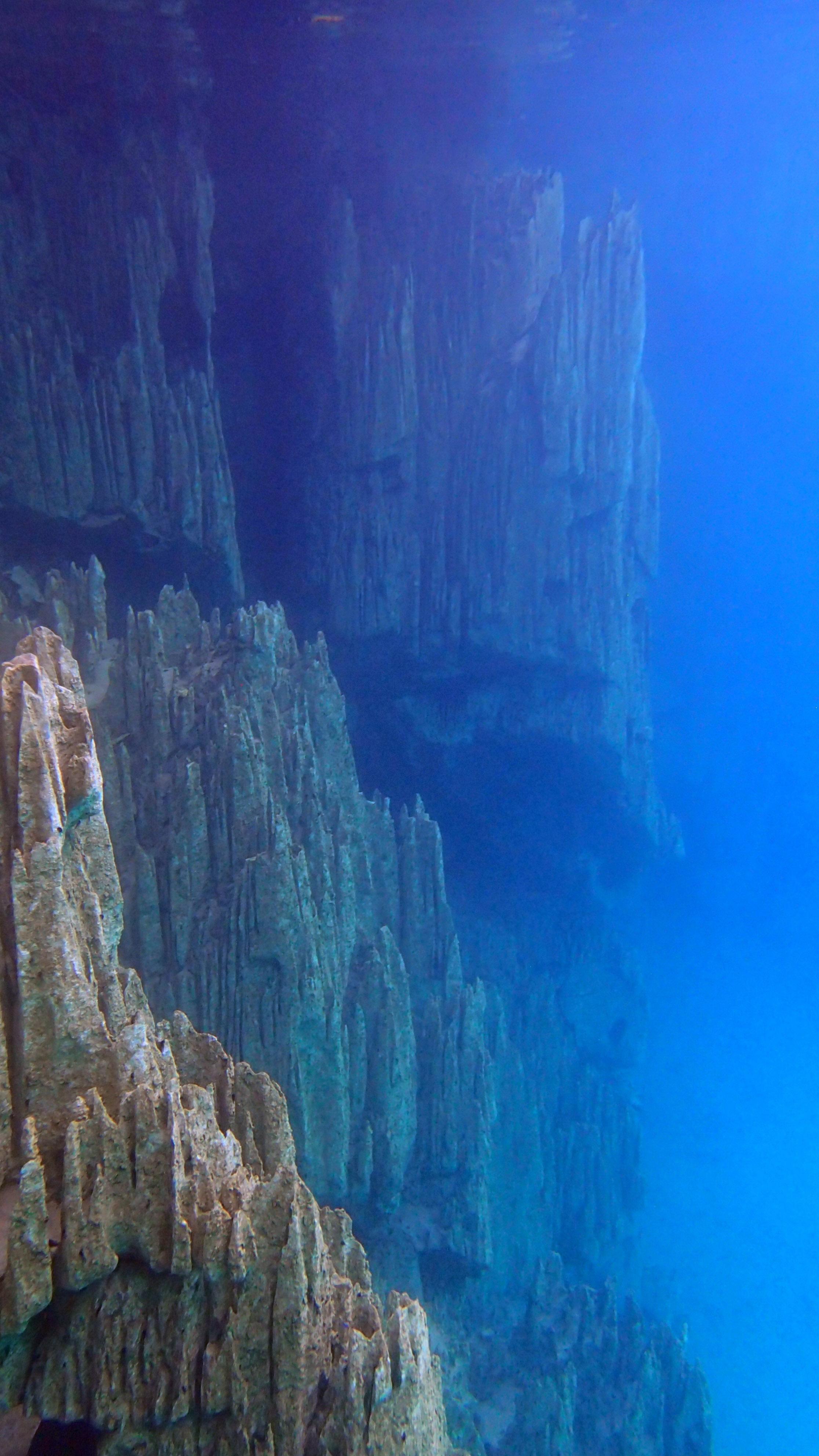 best underwater shot of Kayangan.jpg