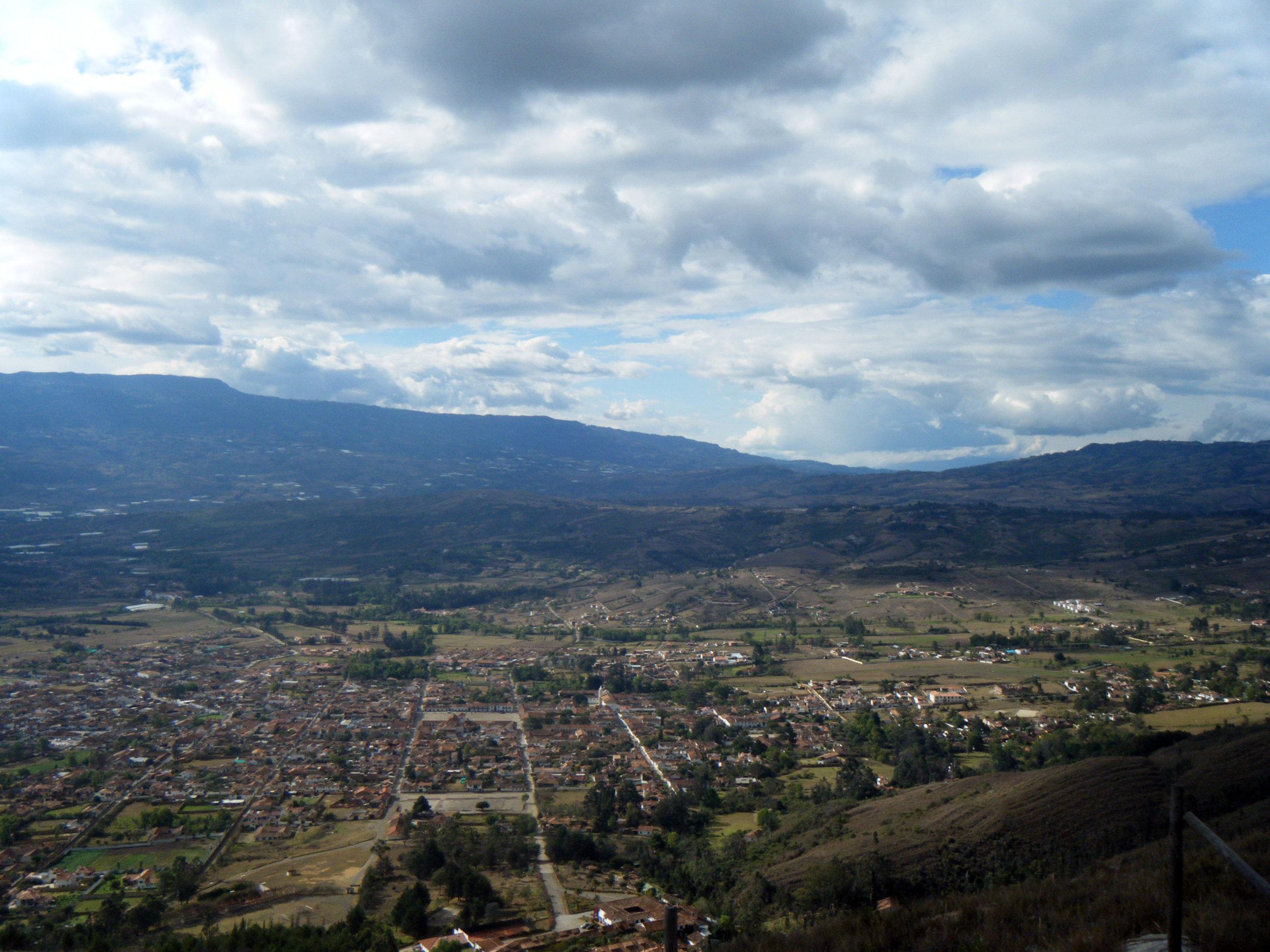Villa de Leyva from first lookout.jpg