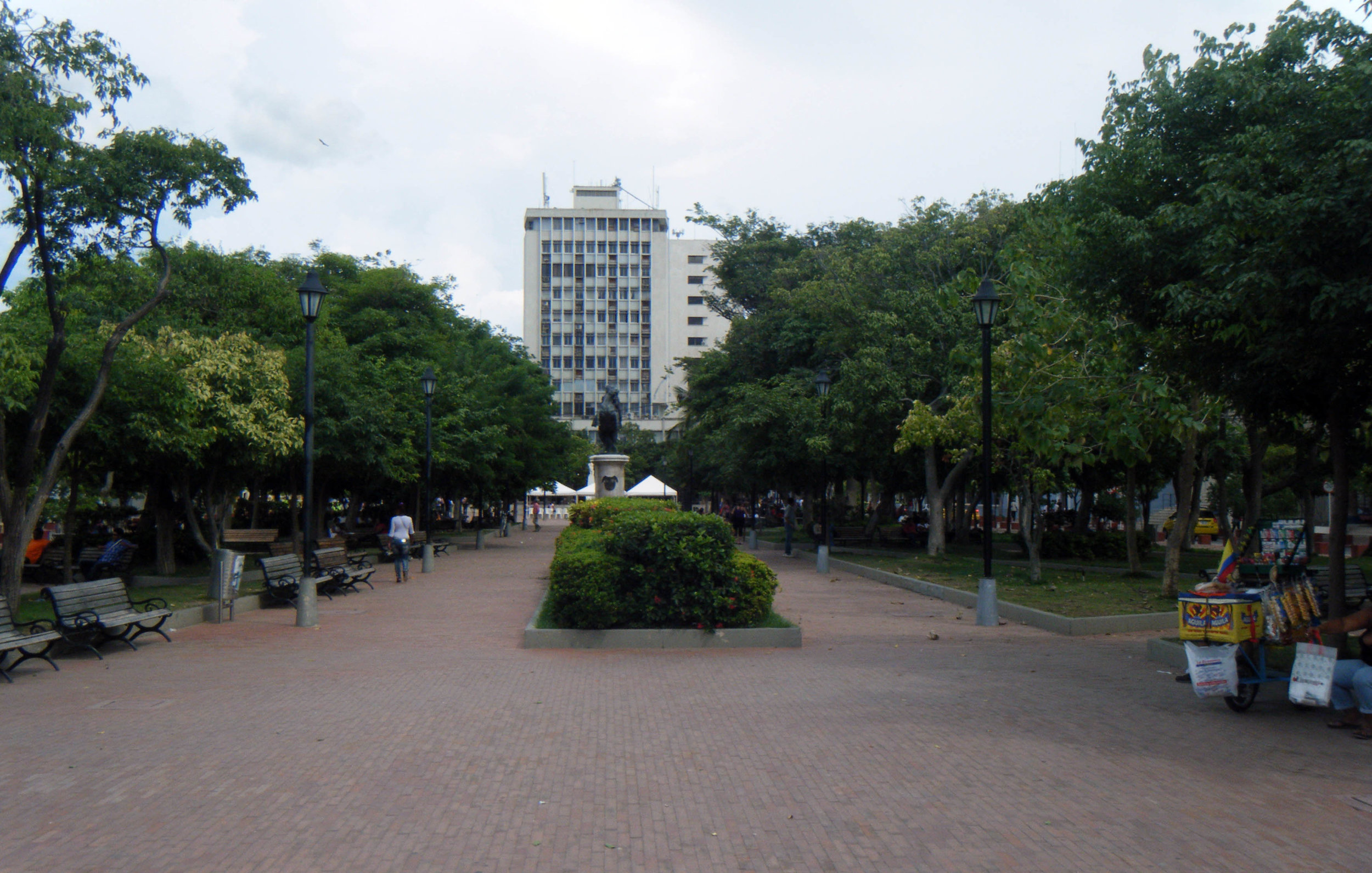 Simon Bolivar Park.jpg