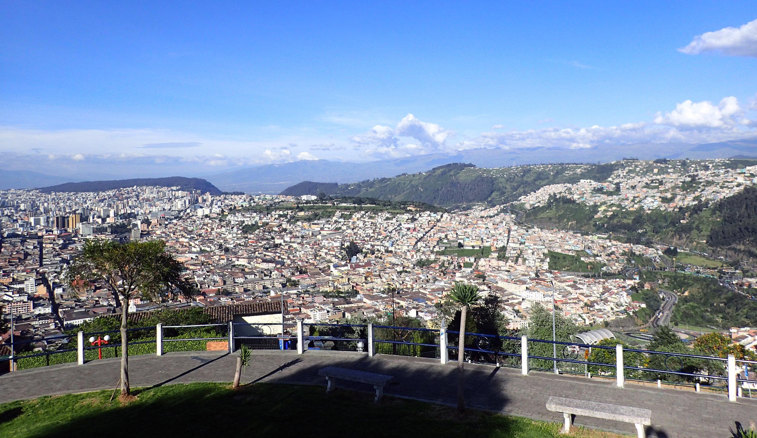 Panecillo views.jpg