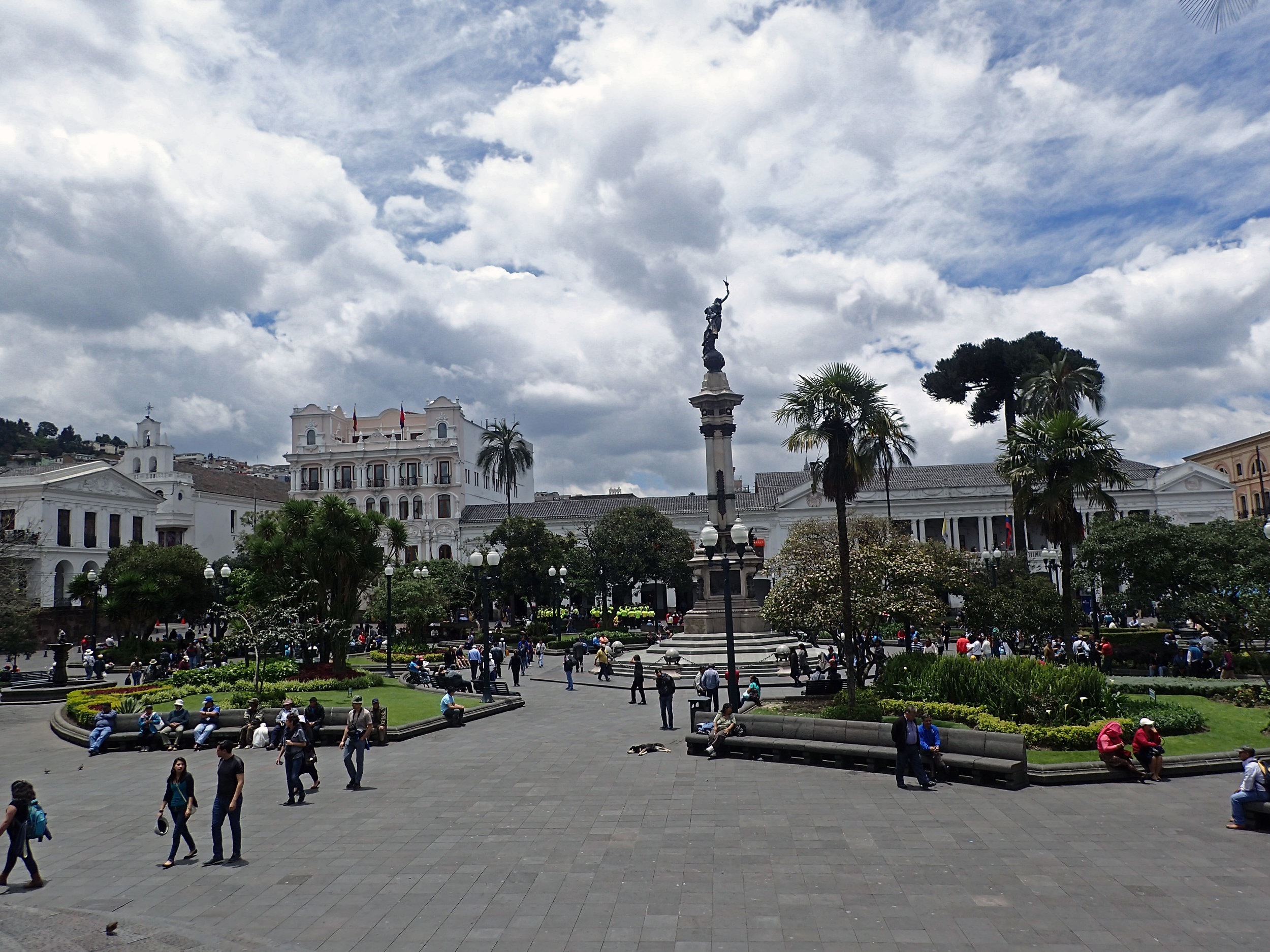 Plaza Grande de Quito.jpg