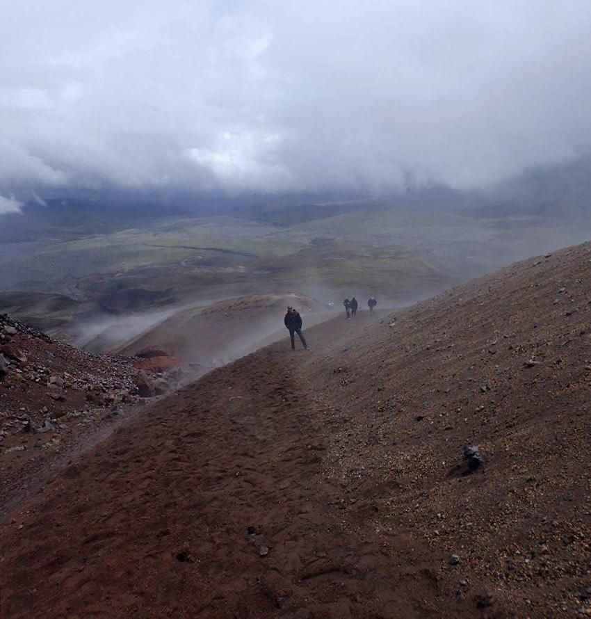 descending from refuge.jpg