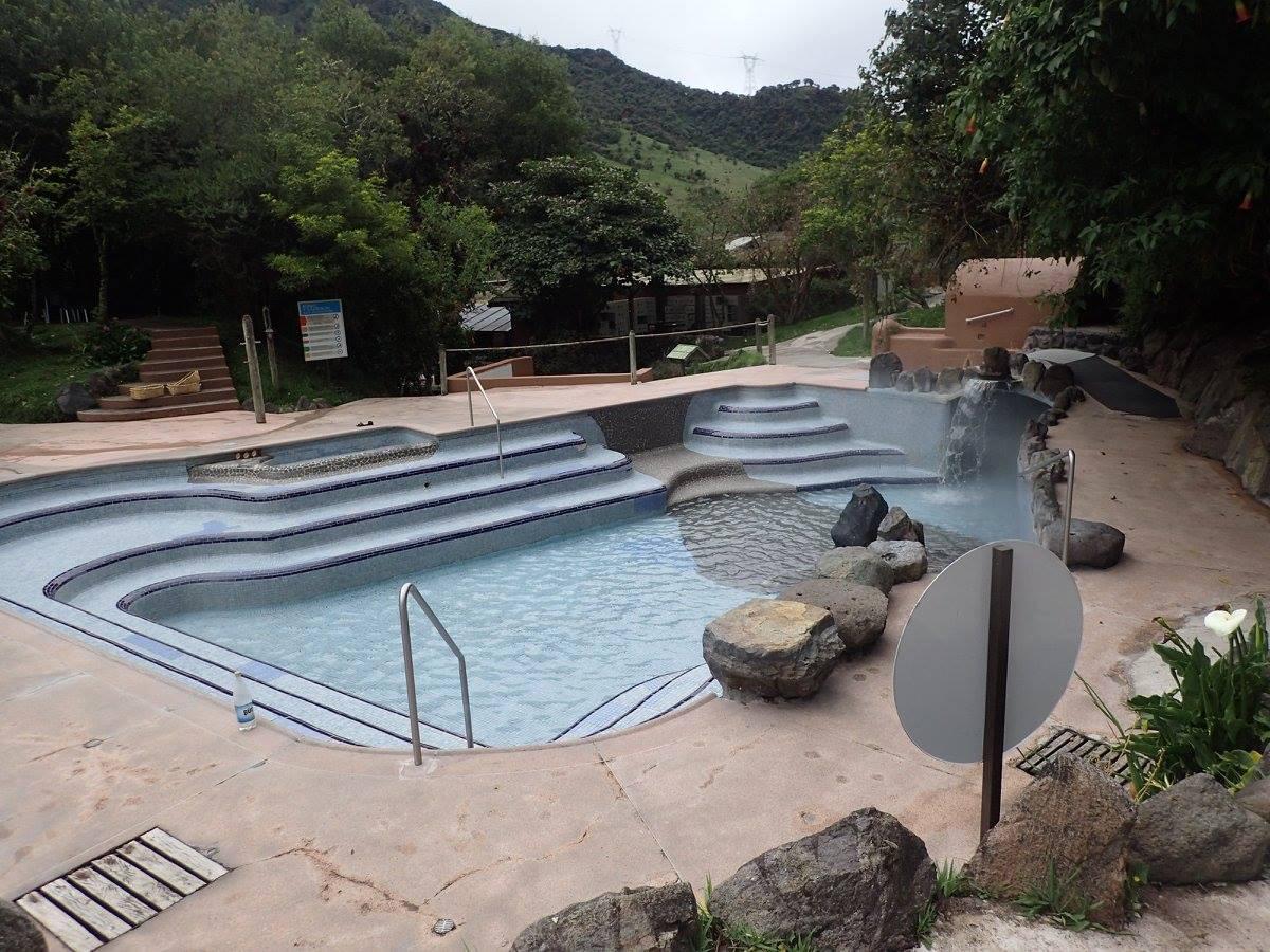 Papallacta hot springs.jpg