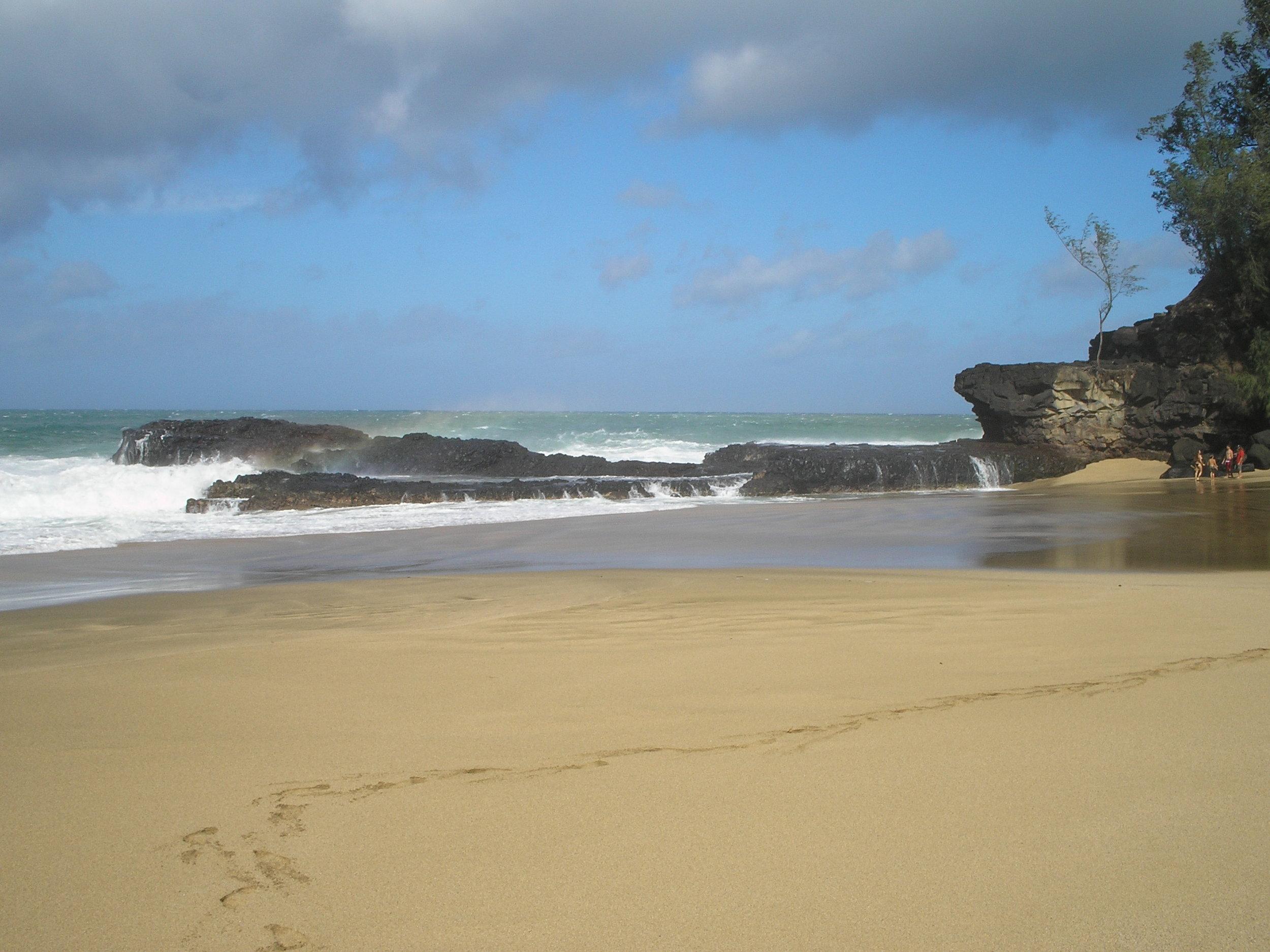 lumahai beach 4.jpg