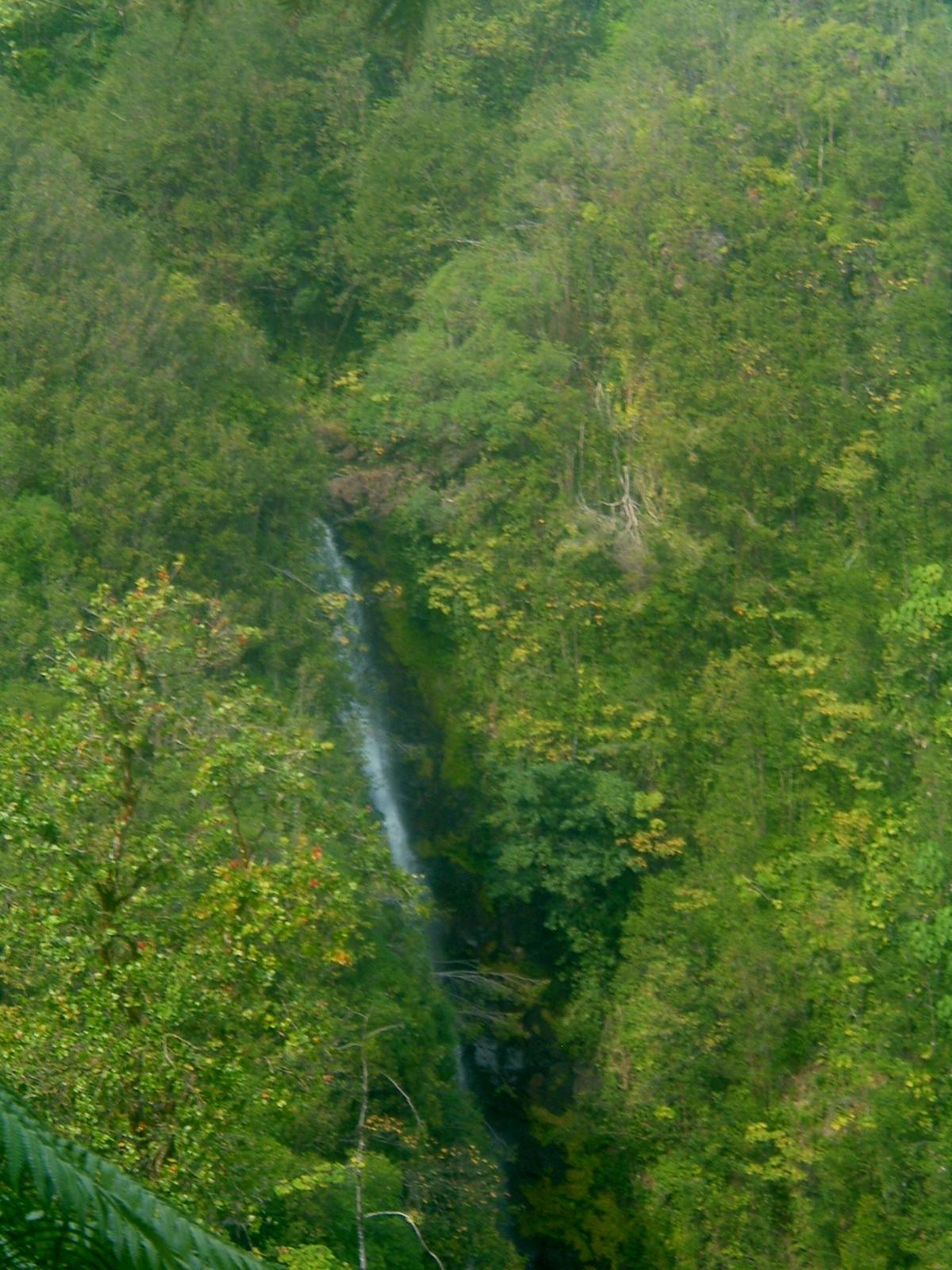 more falls near hilo.JPG