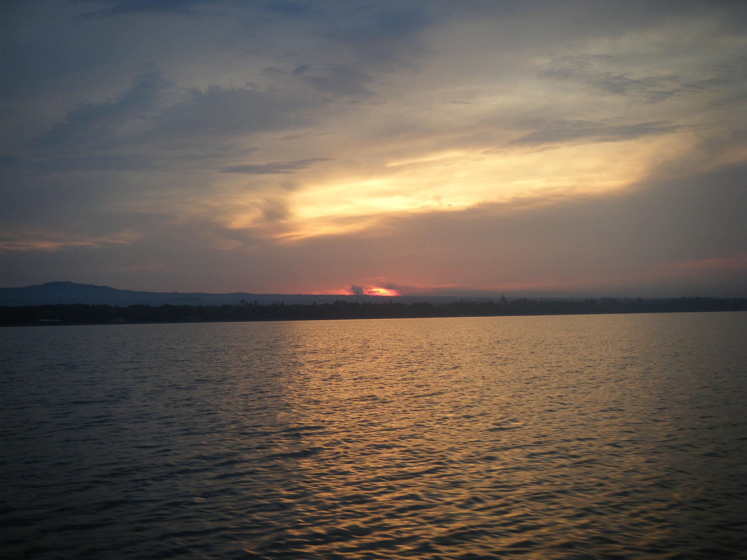 Lago de Nicaragua sunset.jpg
