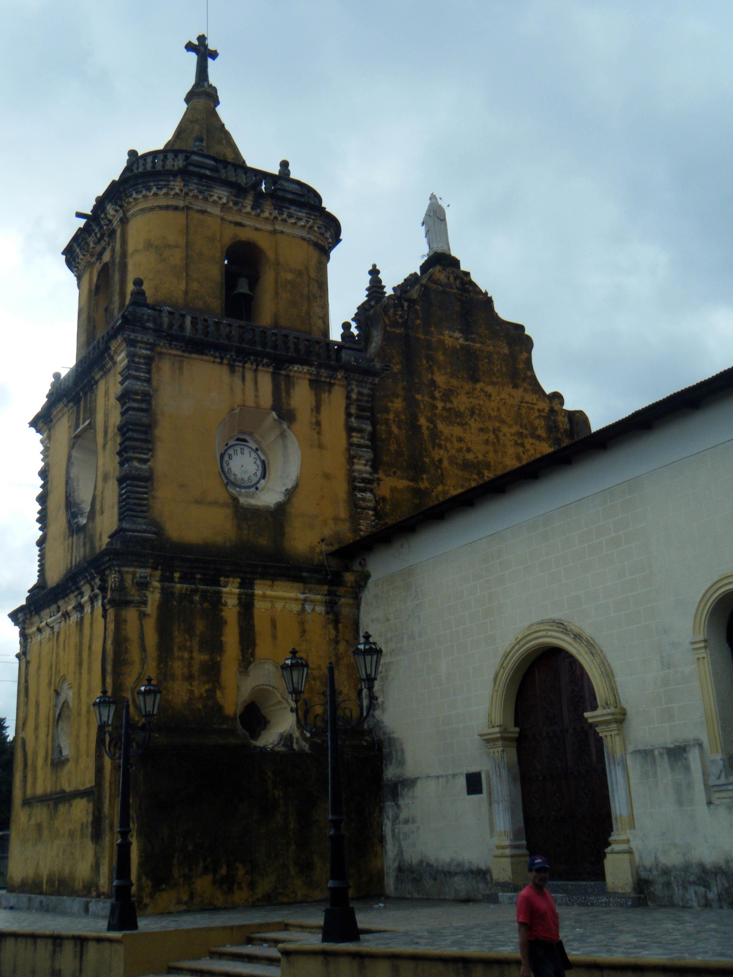 Leon church.jpg