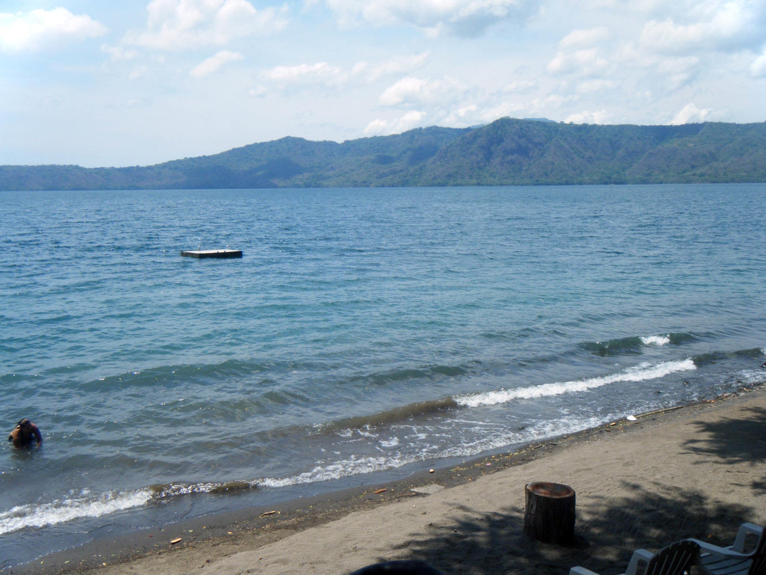 Laguna de Apoyo.jpg