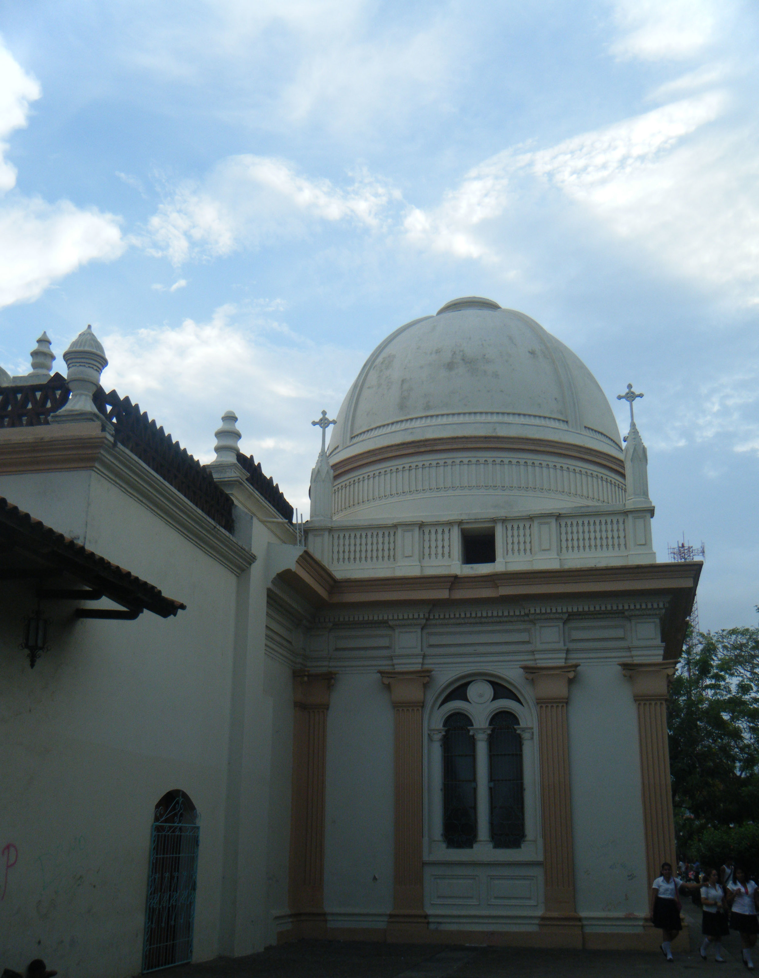 central cathedral of Masaya.jpg