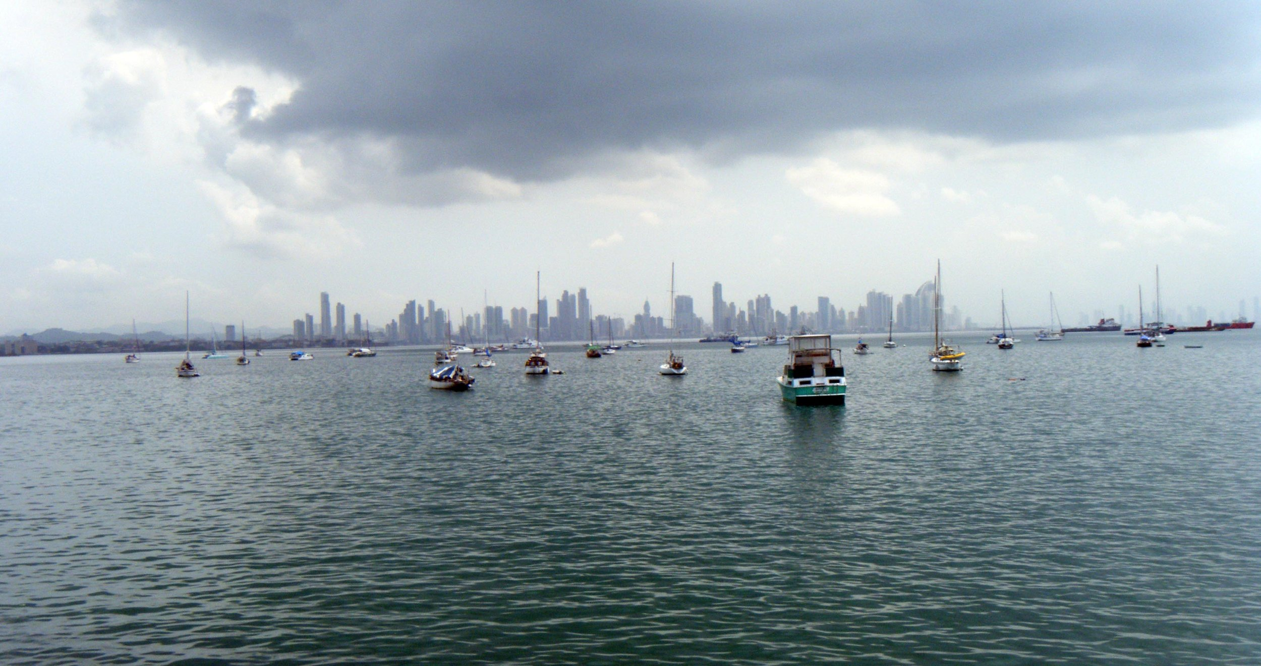 Panama City from Naos.jpg