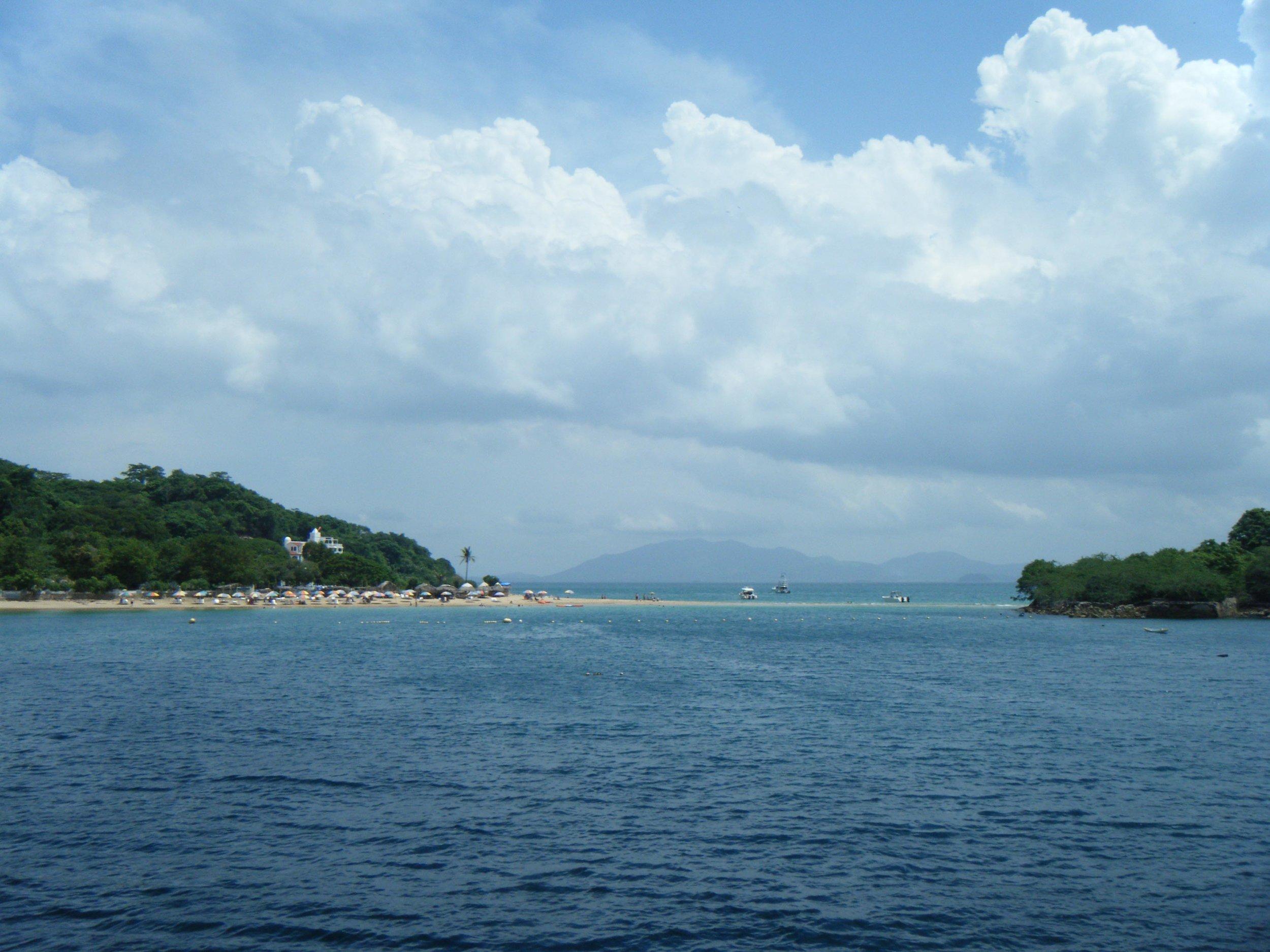 Taboga beach.jpg