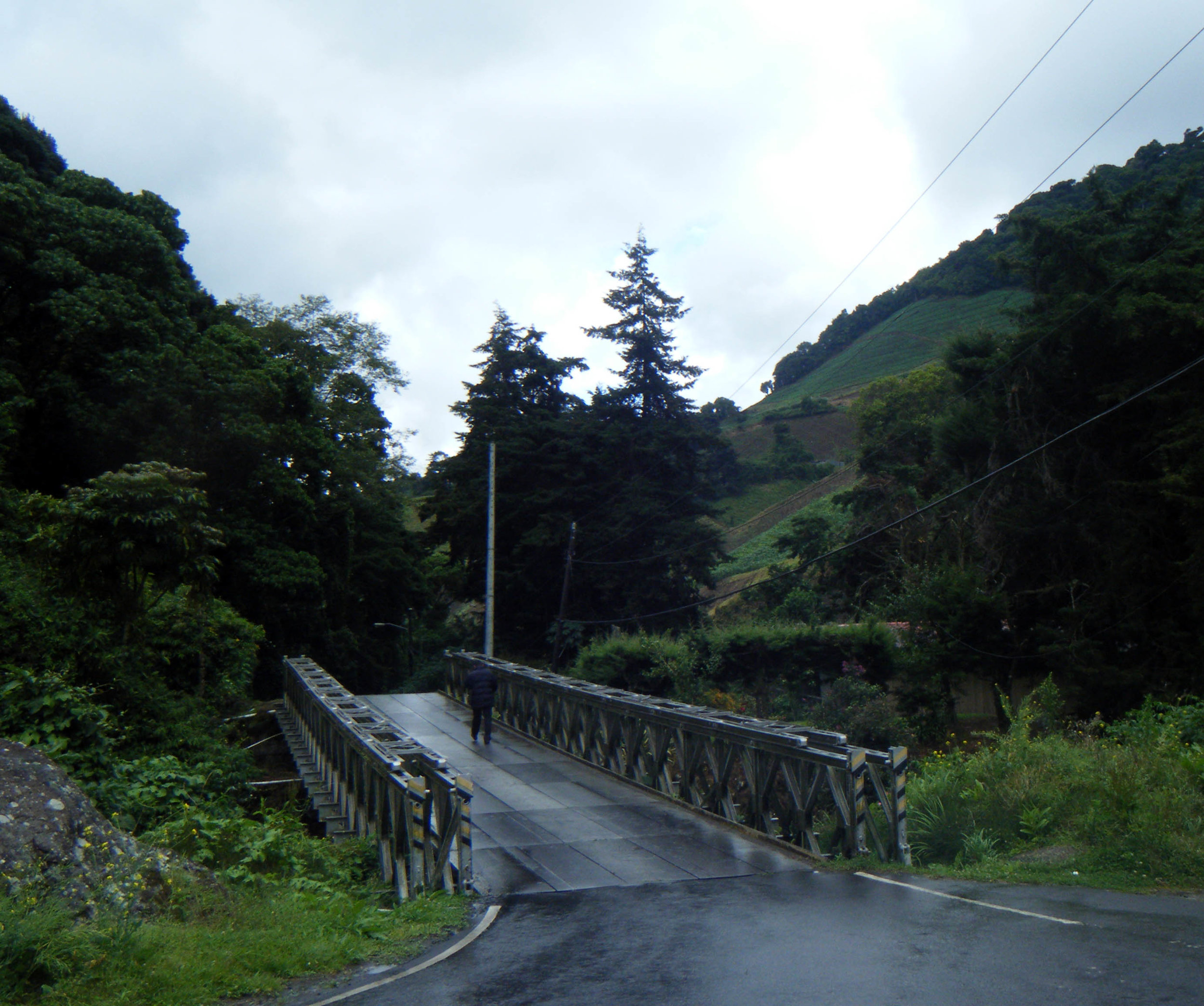descending from La Amistad.jpg