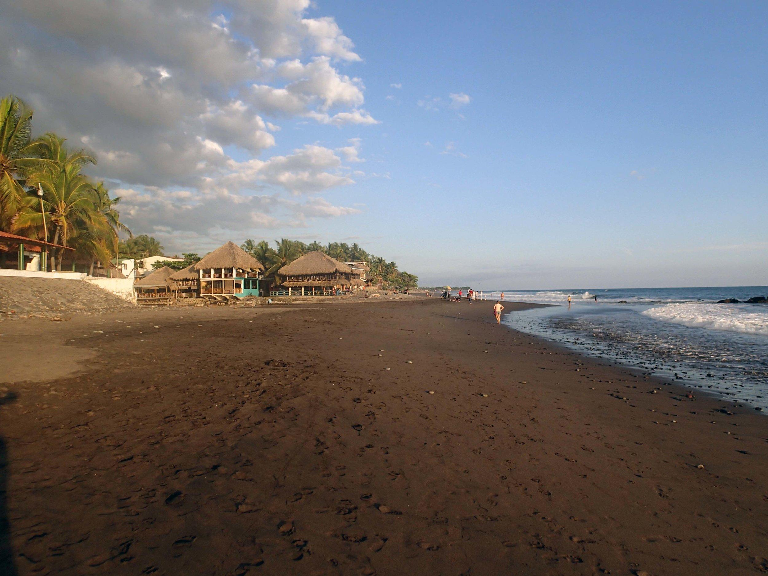 Playa El Tunco 12-5-14.jpg