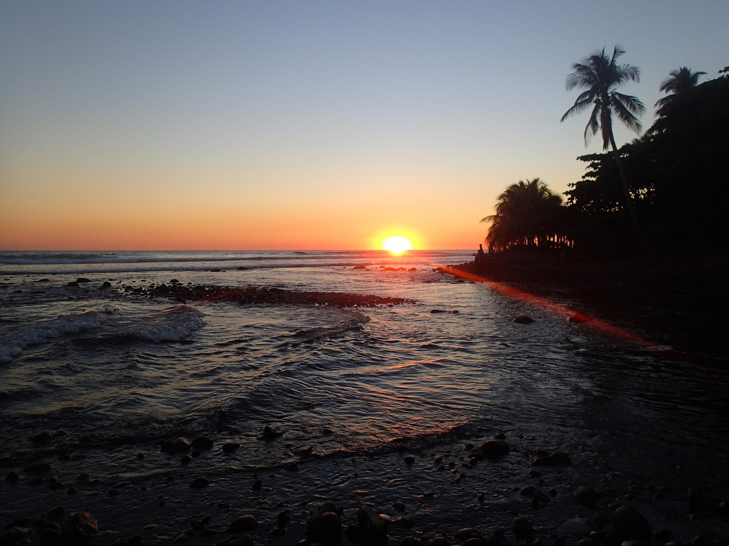 Playa El Zonte sunset.jpg