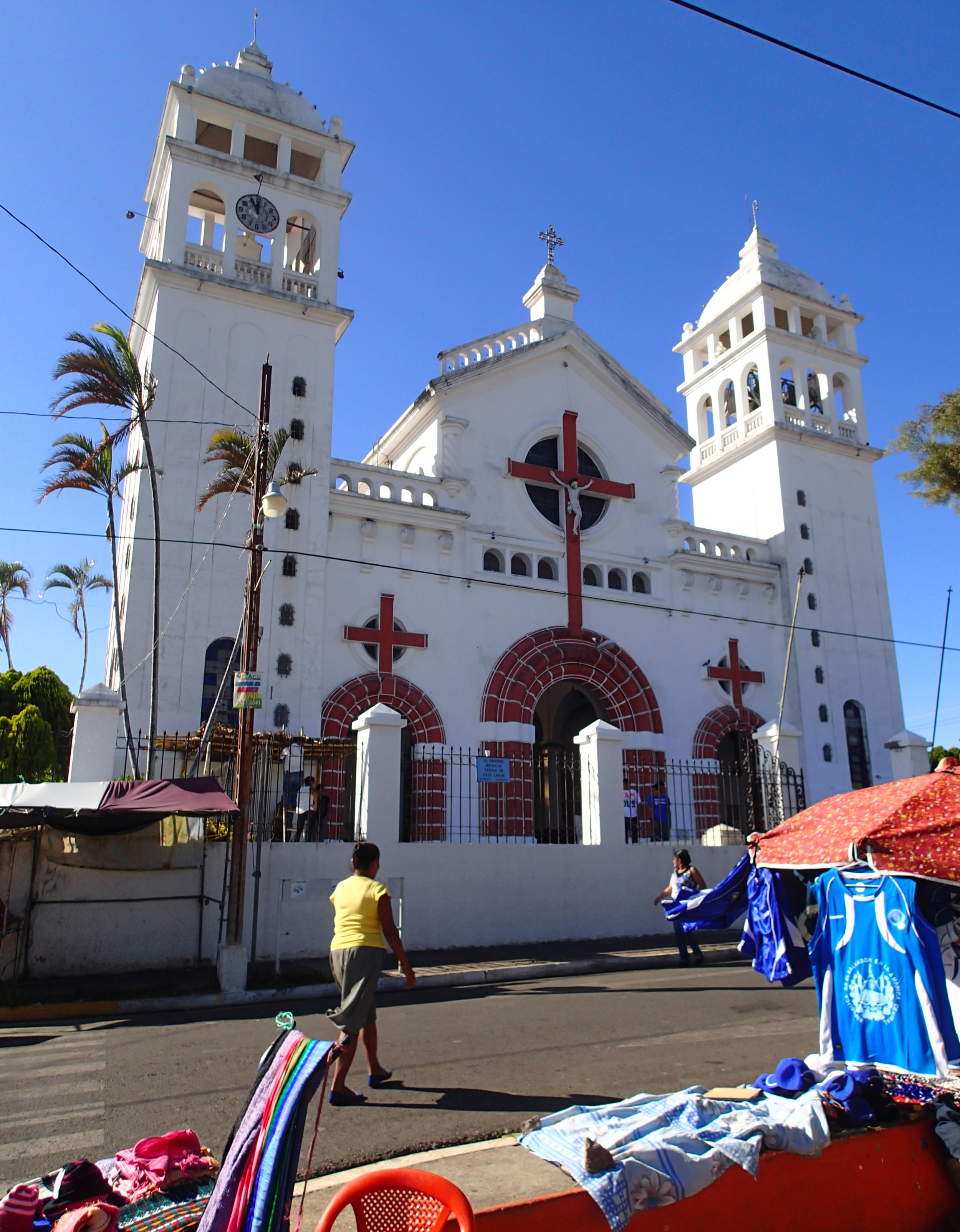 Juayua cathedral.jpg