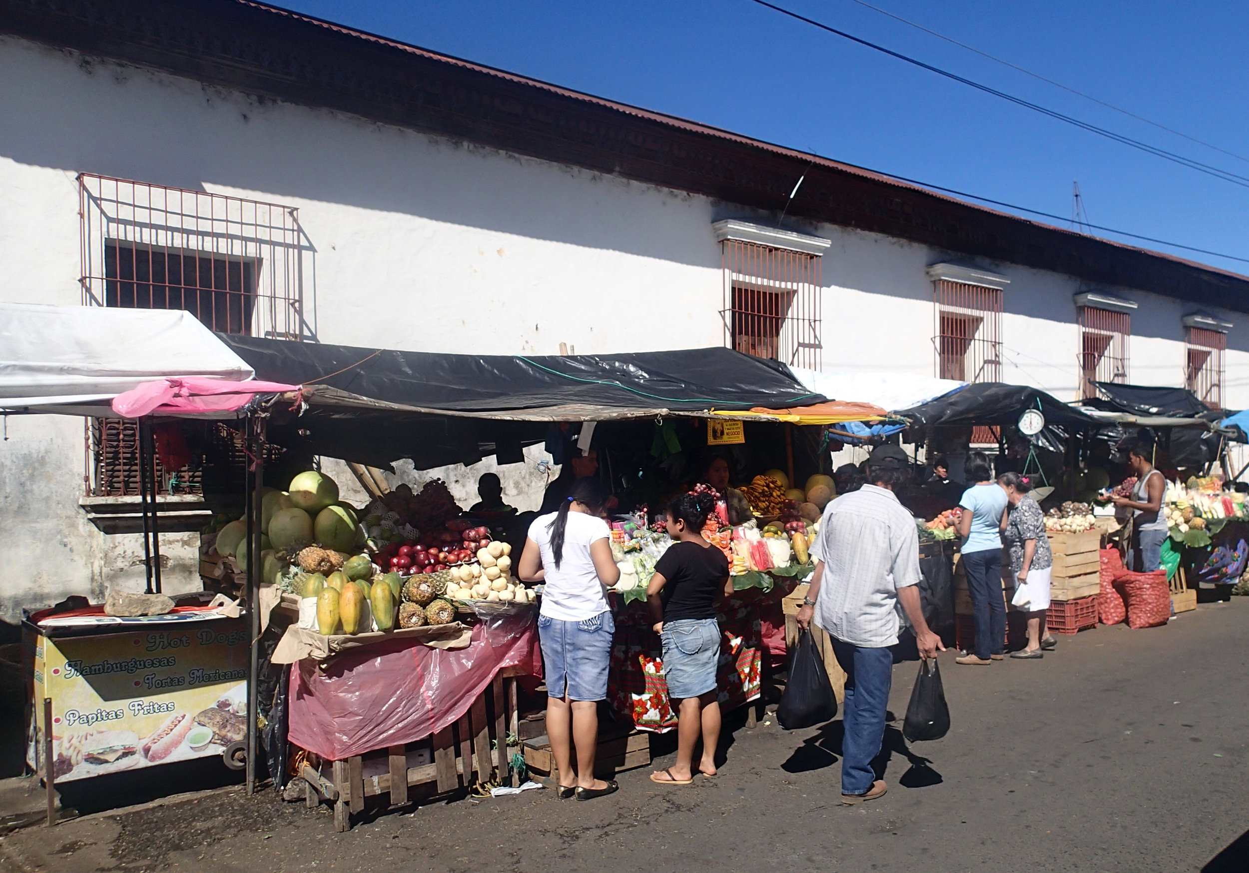 Juayua market street.jpg