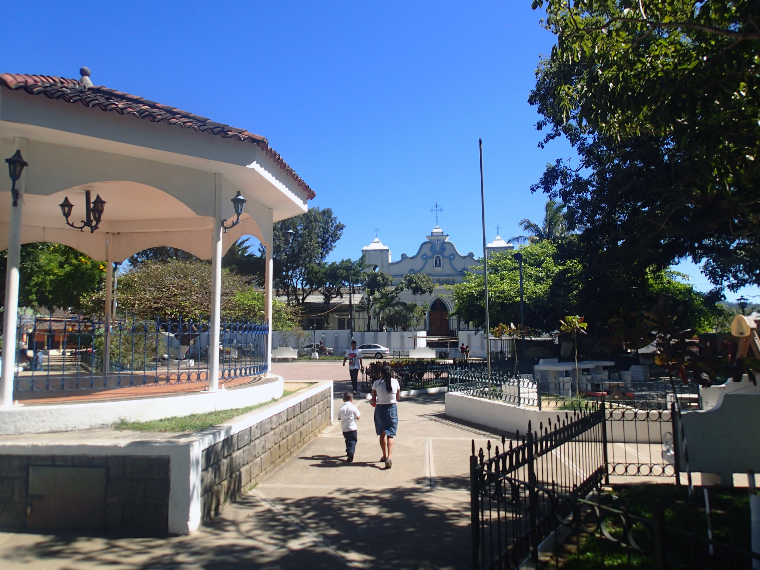 parque central Ataco.jpg