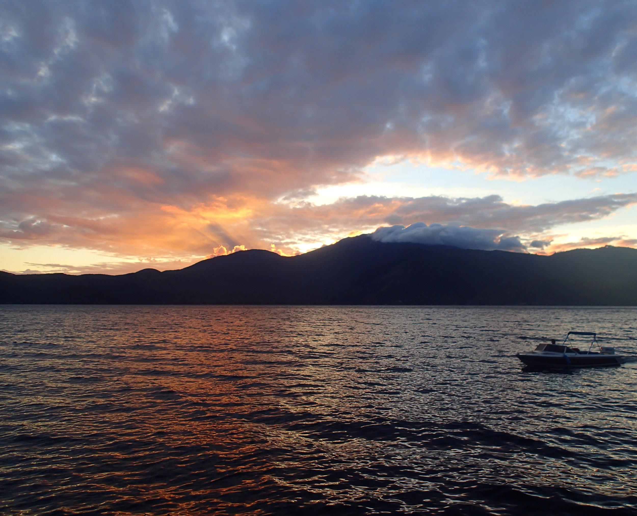 volcano sunset 12-13-14.jpg