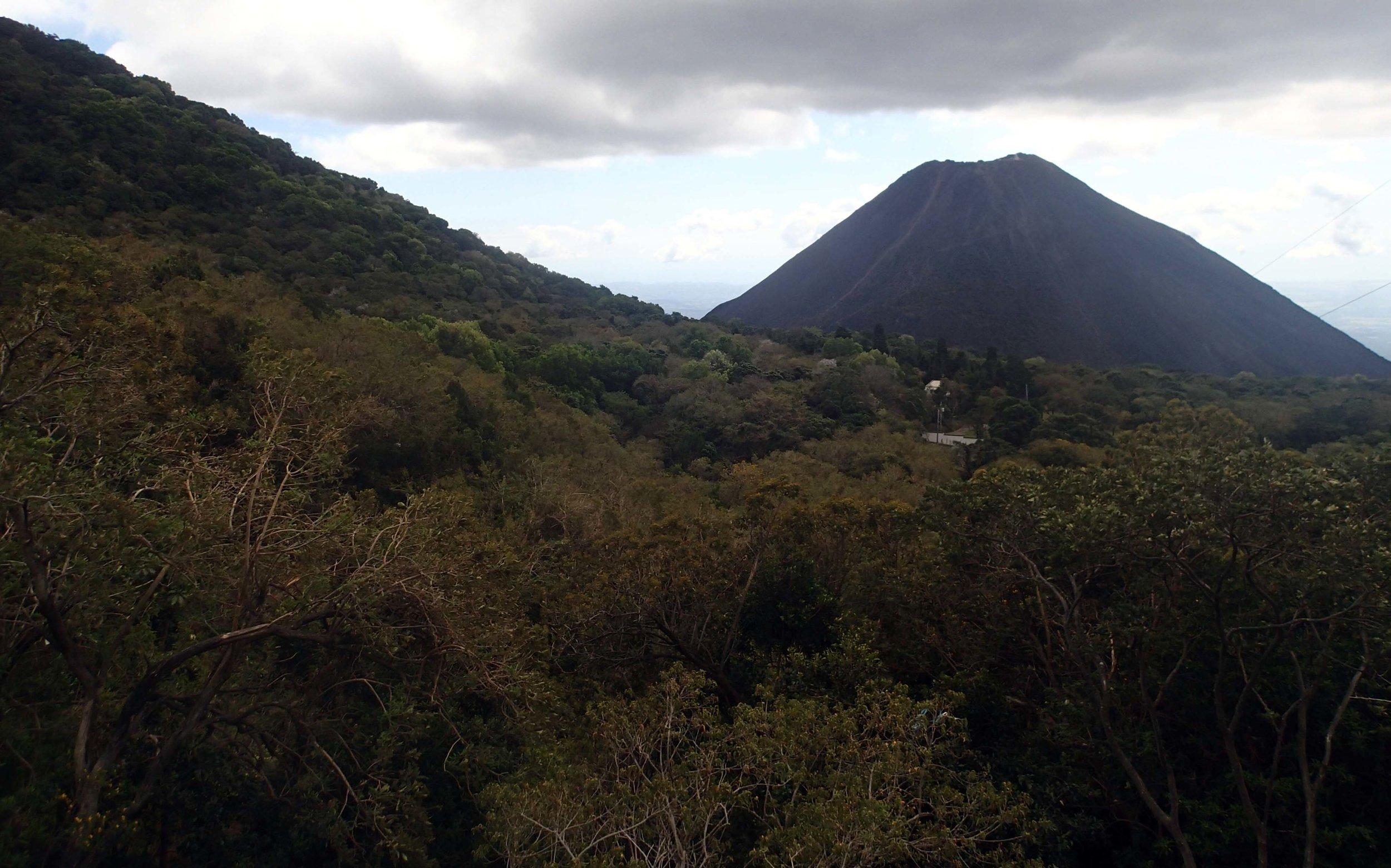 Volcanoes National Park.jpg