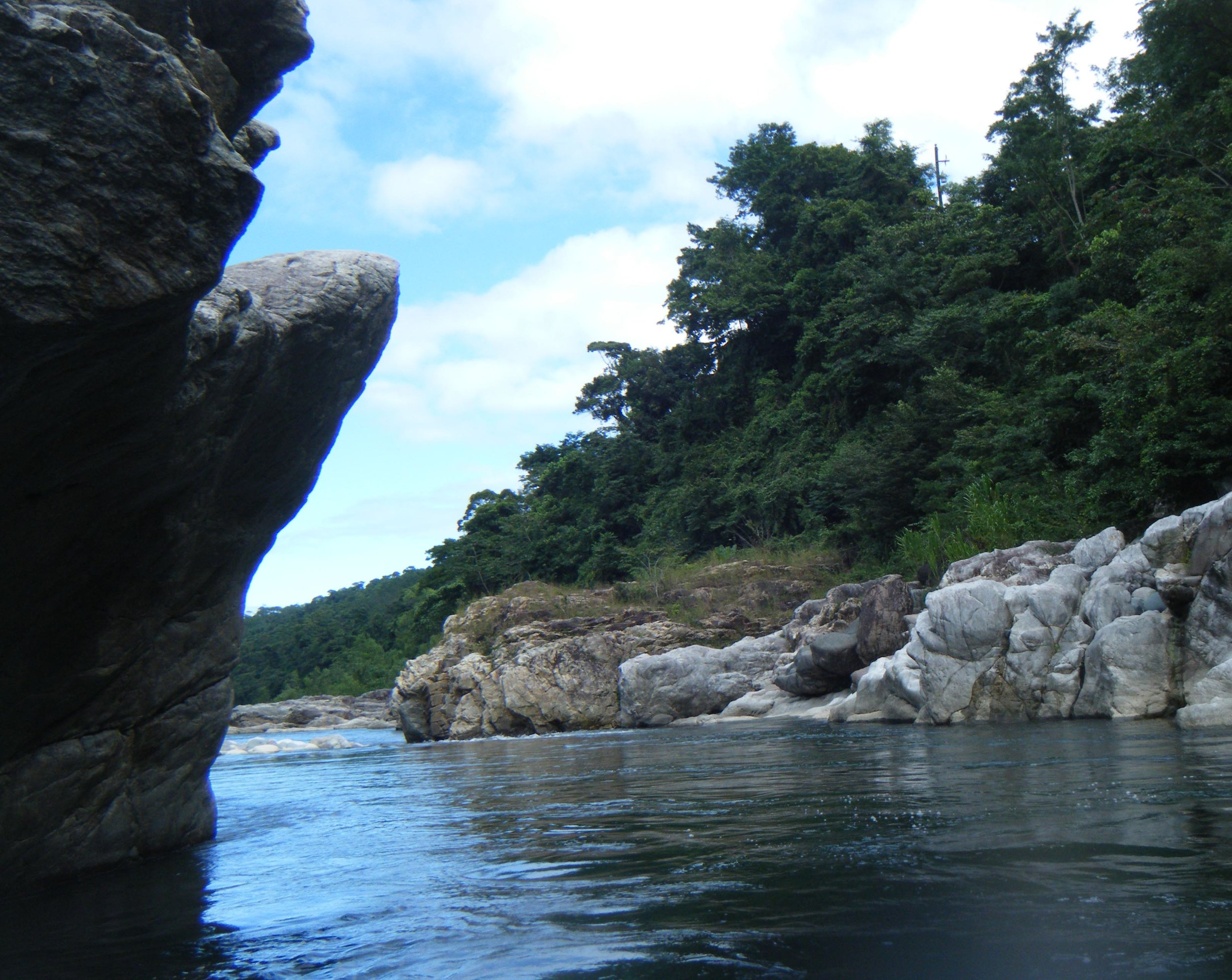rafting the Rio Cangrejal.jpg
