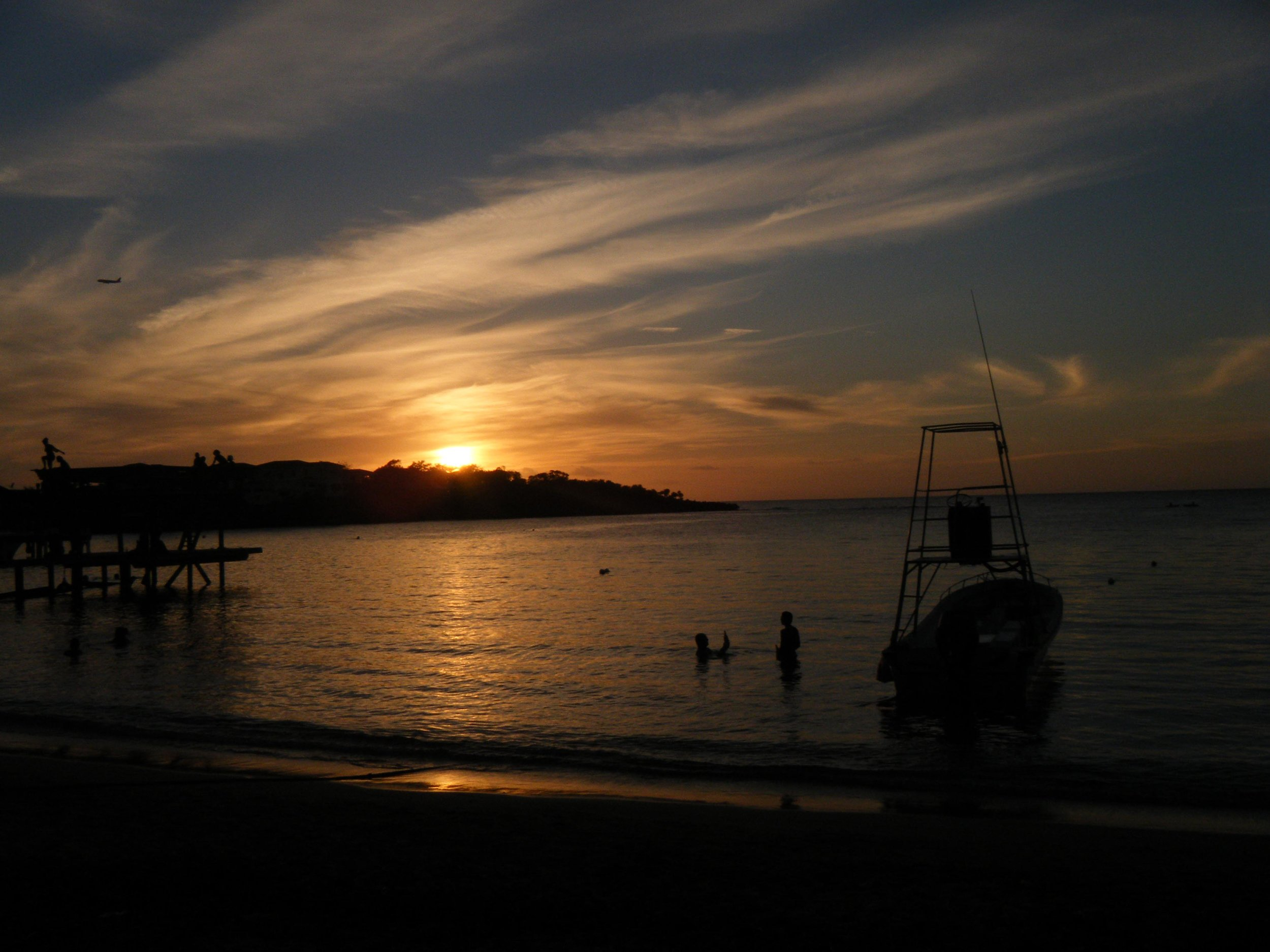 Roatan sunset 3.jpg