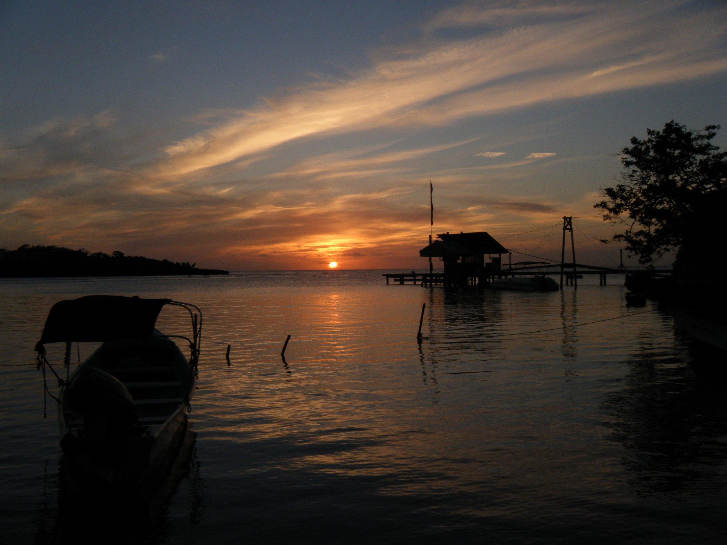 Roatan sunset 2.jpg