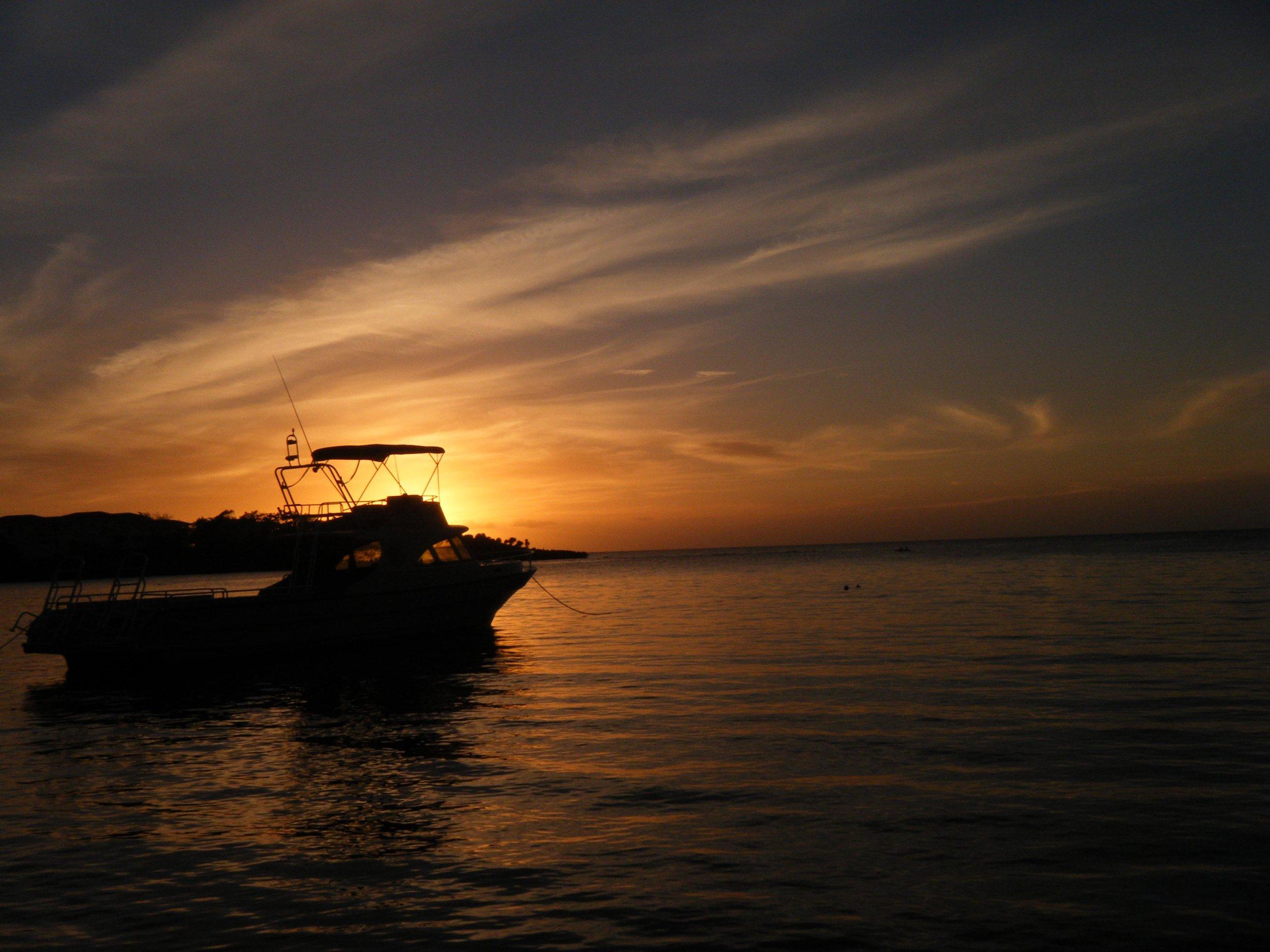 Roatan sunset.jpg