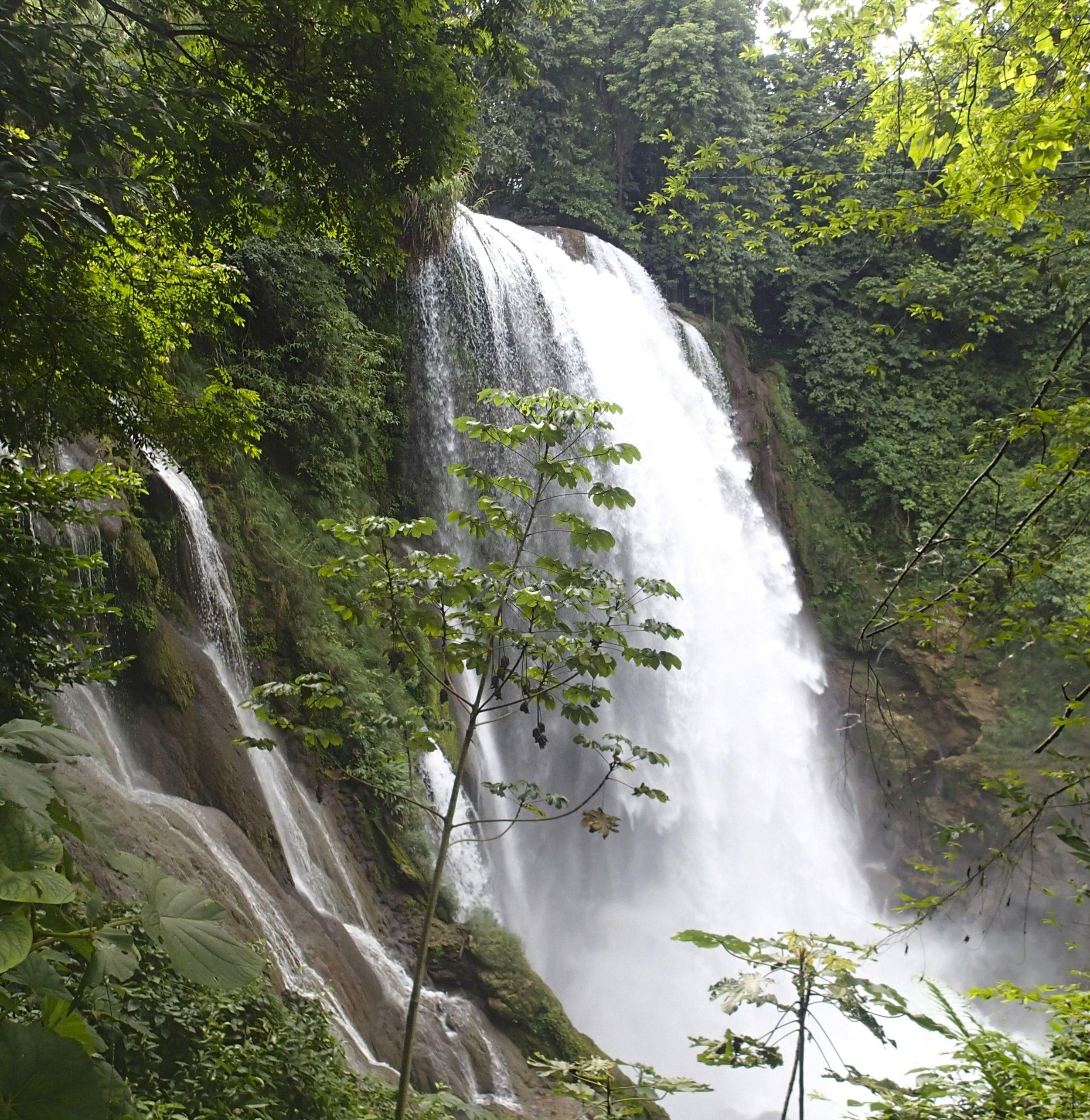 Pulhapanzak falls 12-20-13.jpg