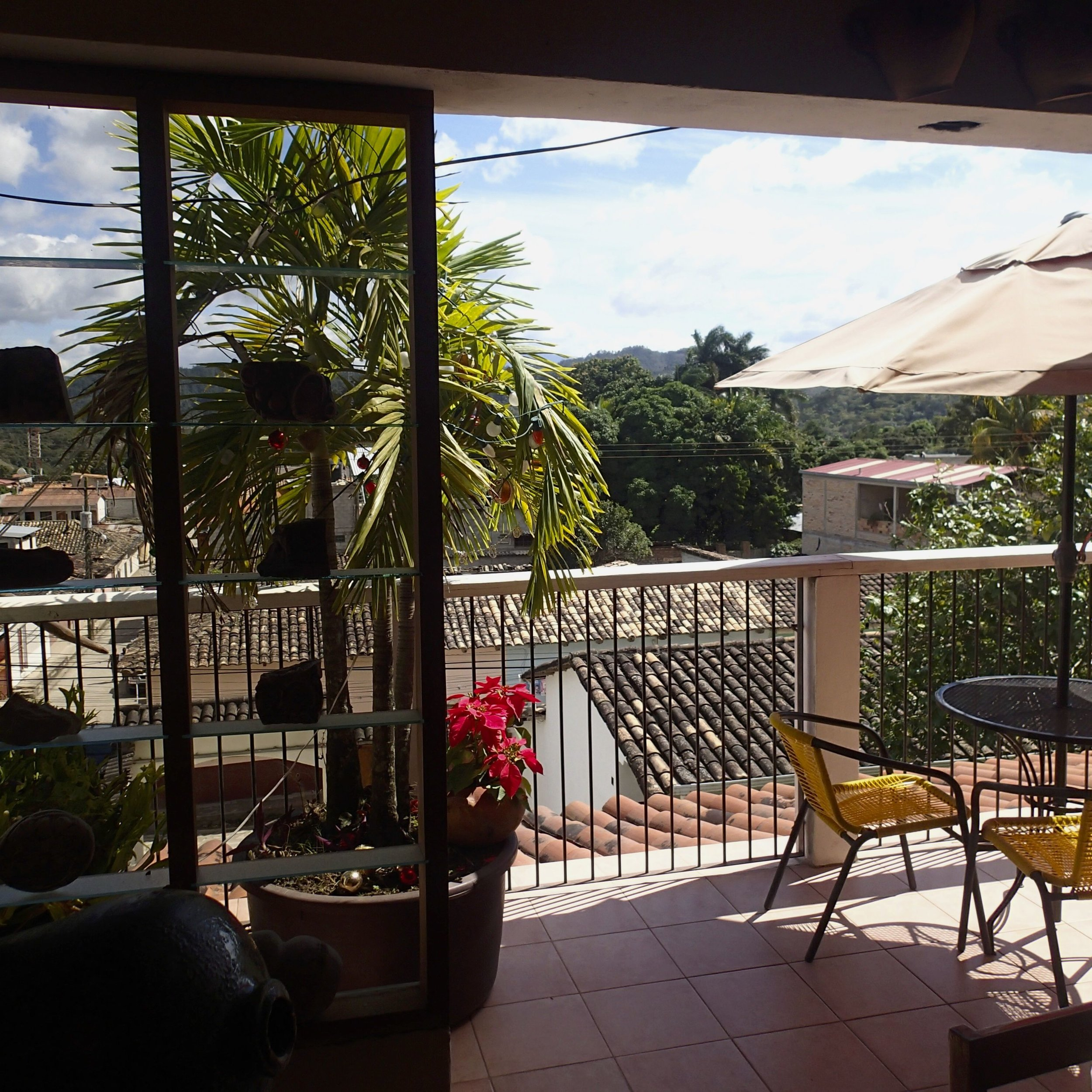 Hotel Guanacascos dining area.jpg