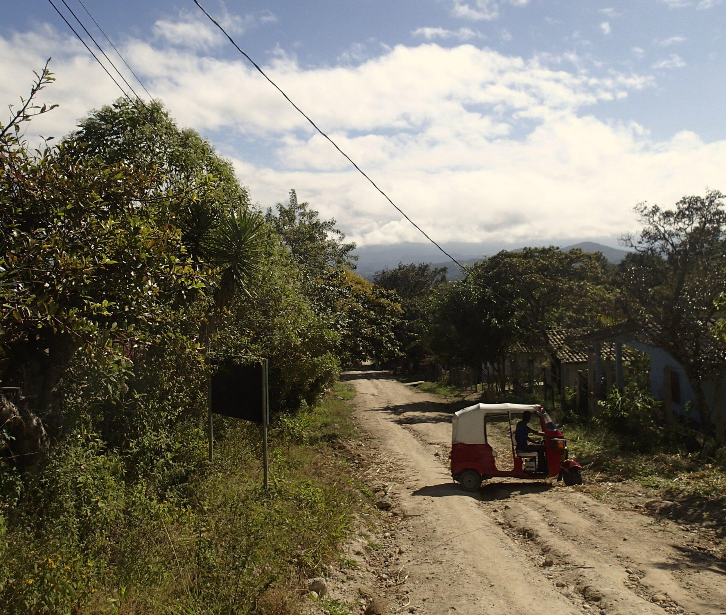 Honduran tuk-tuk.jpg