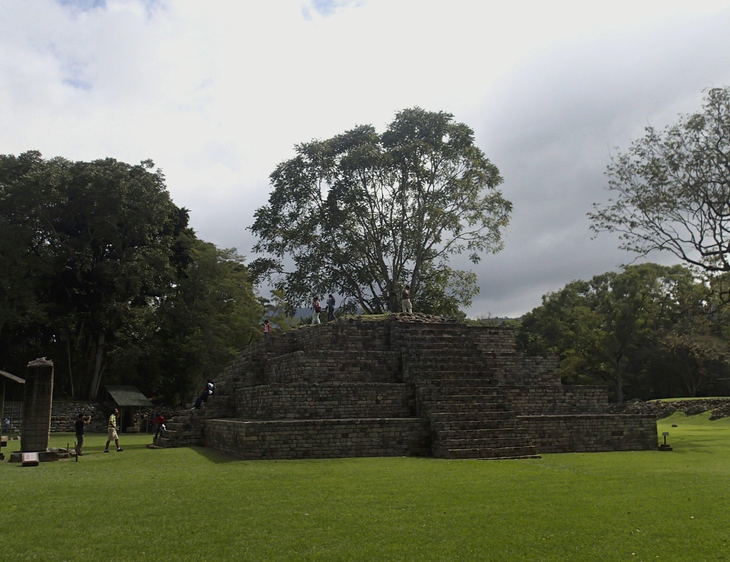 Mayan ruins of Copan.jpg