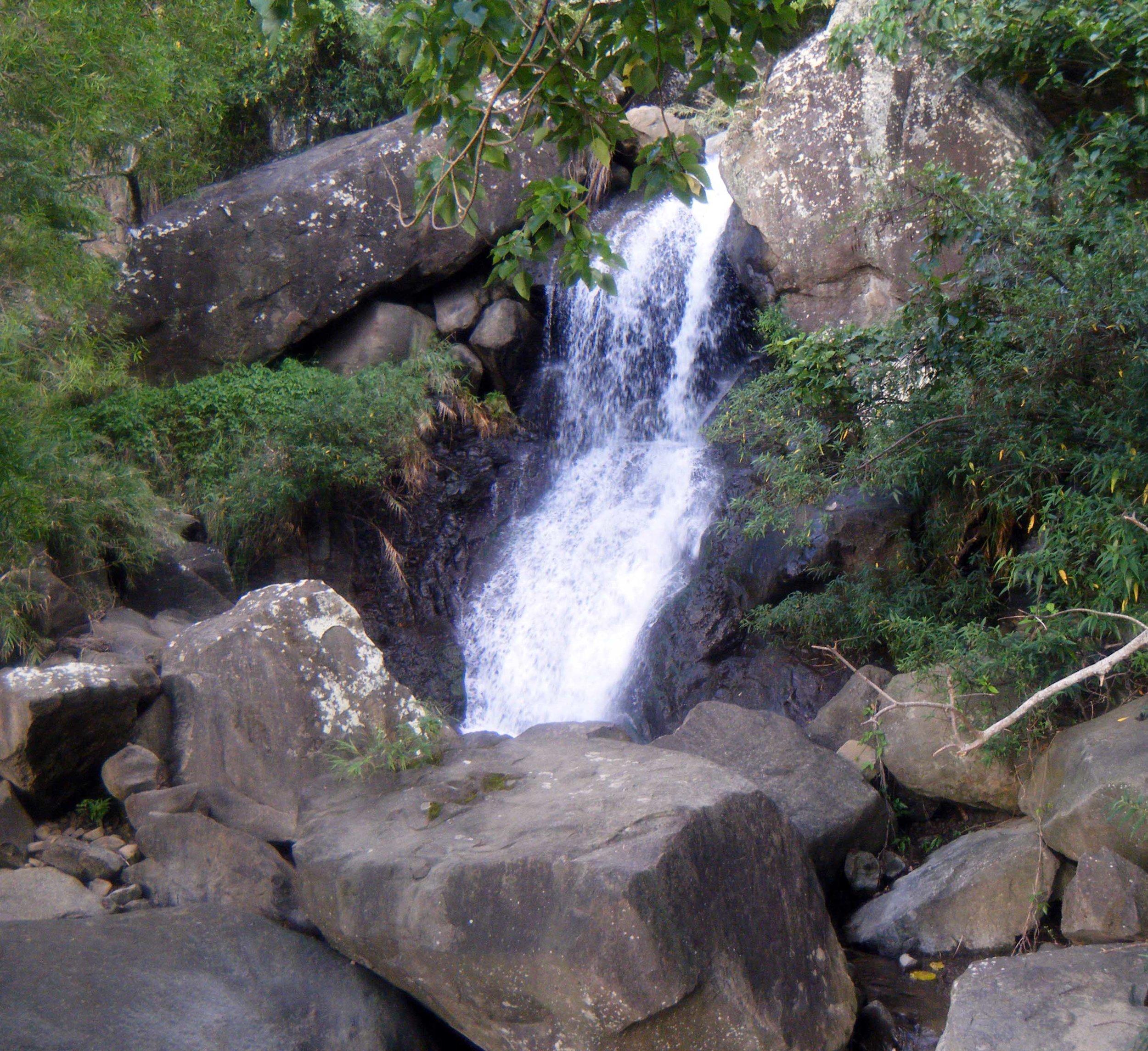Lilongshan waterfall 10-10-10.jpg