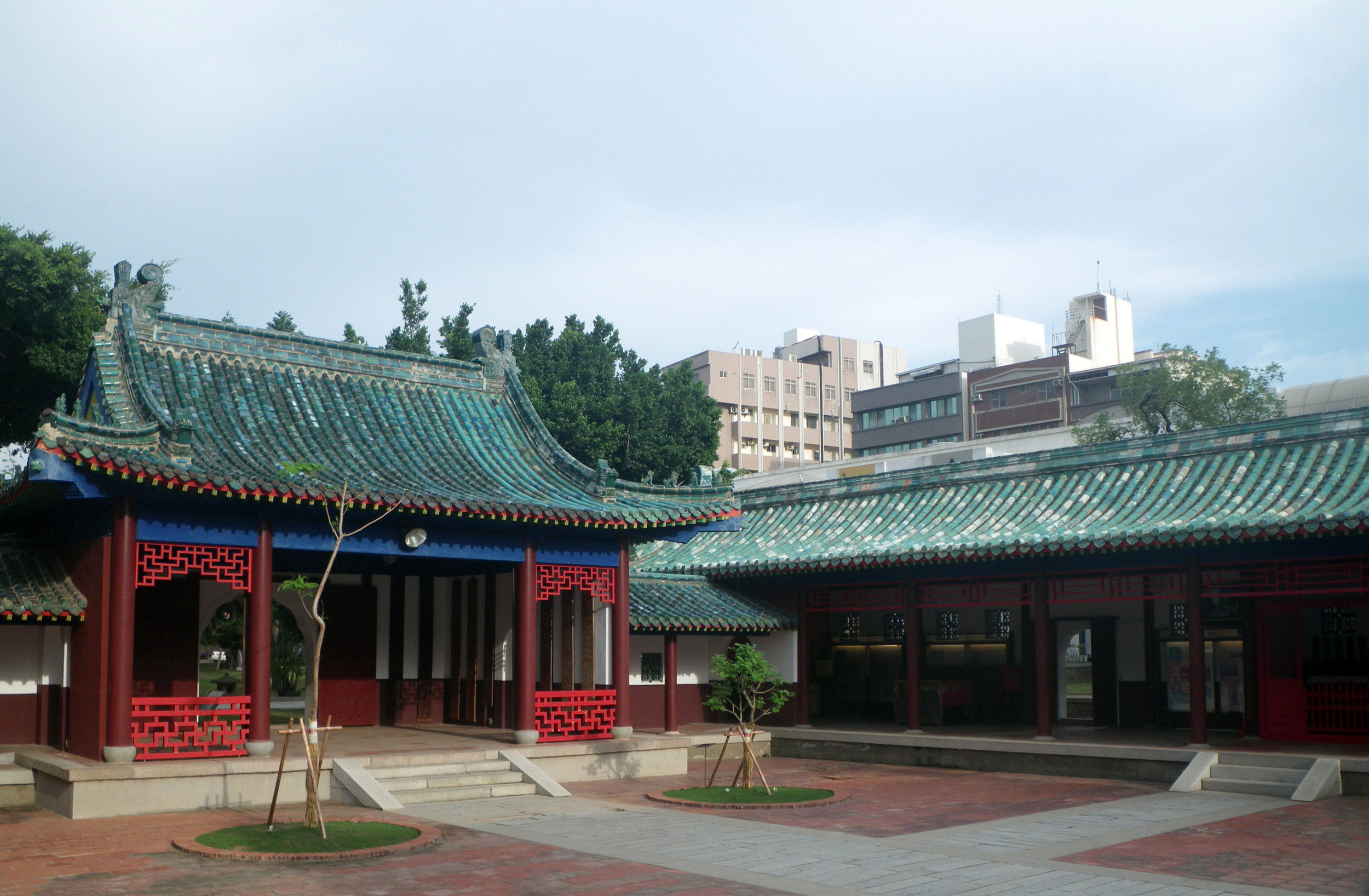 Tainan Confucious temple 5-1-10.jpg