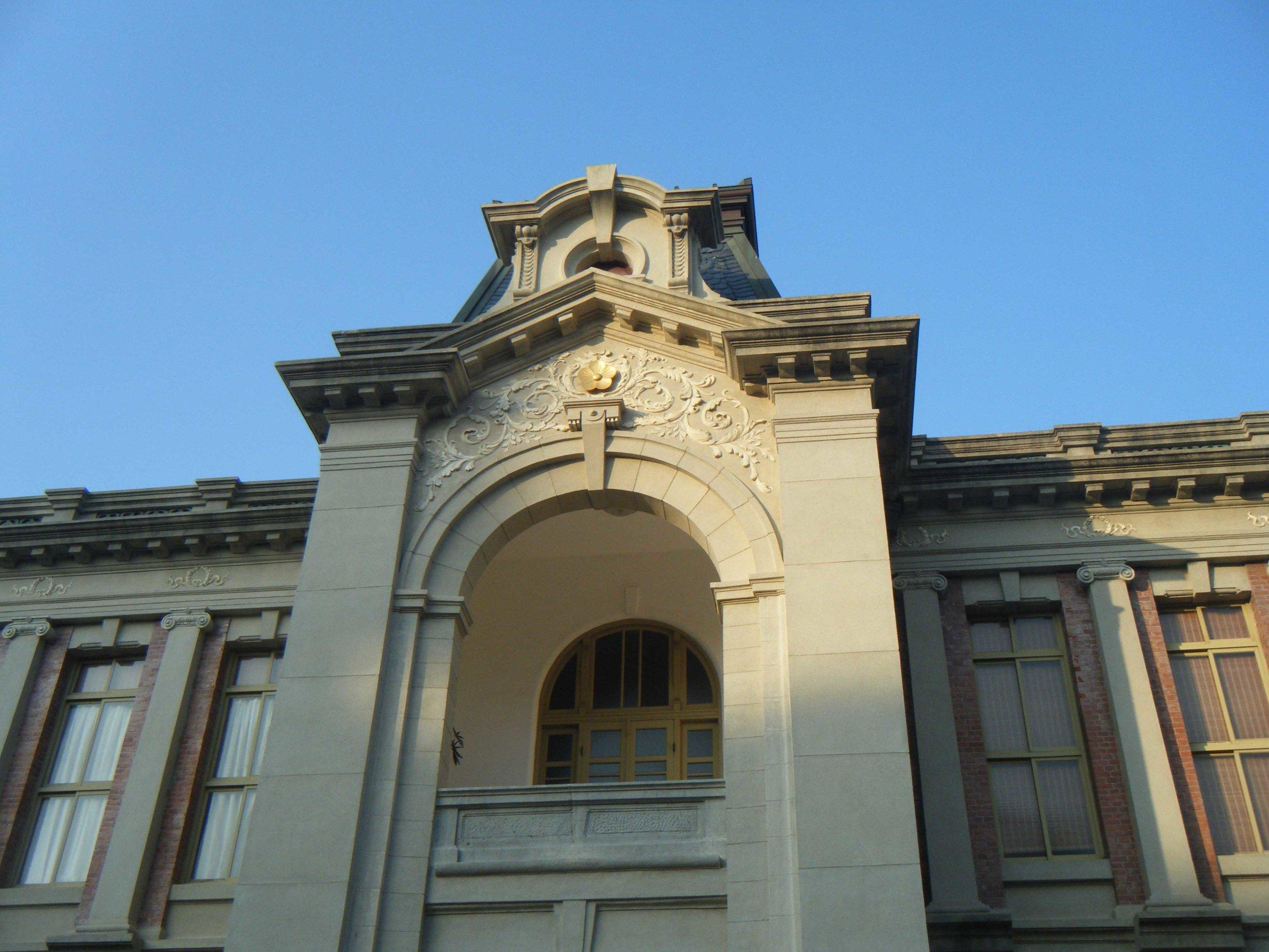 Tainan historical tour 10-28-10.jpg