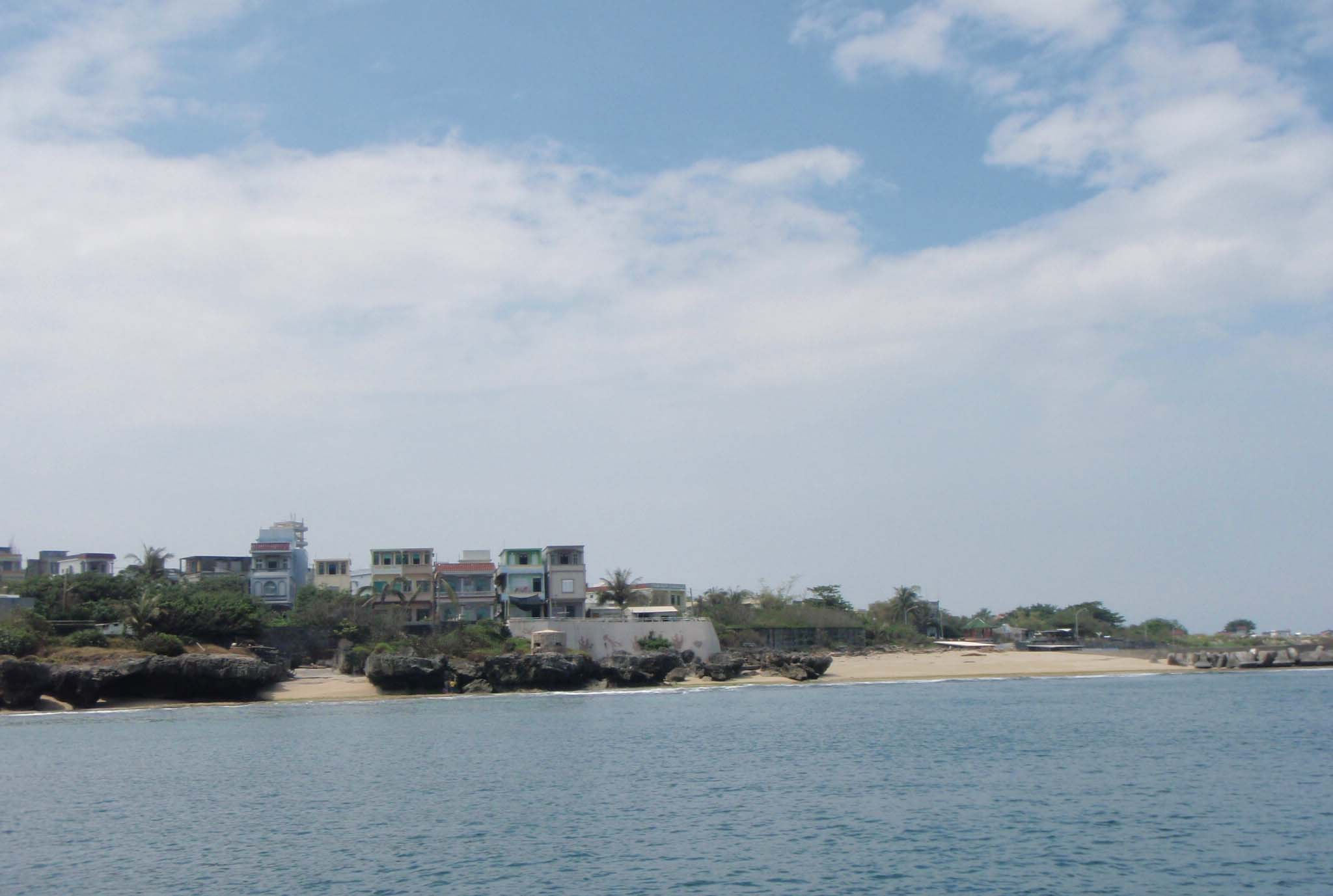 Hsiao Liou chiou from dive boat.jpg